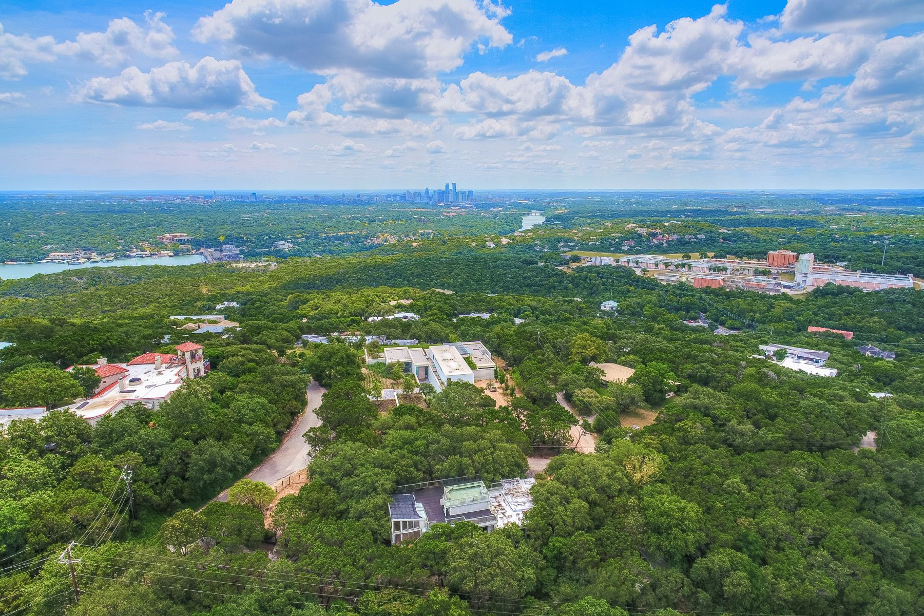 Terreno por un Venta en Gorgeous .62 acre lot in the heart of West Lake Hills 305 Skyline Drive, West Lake Hills, Texas 78746 Estados Unidos