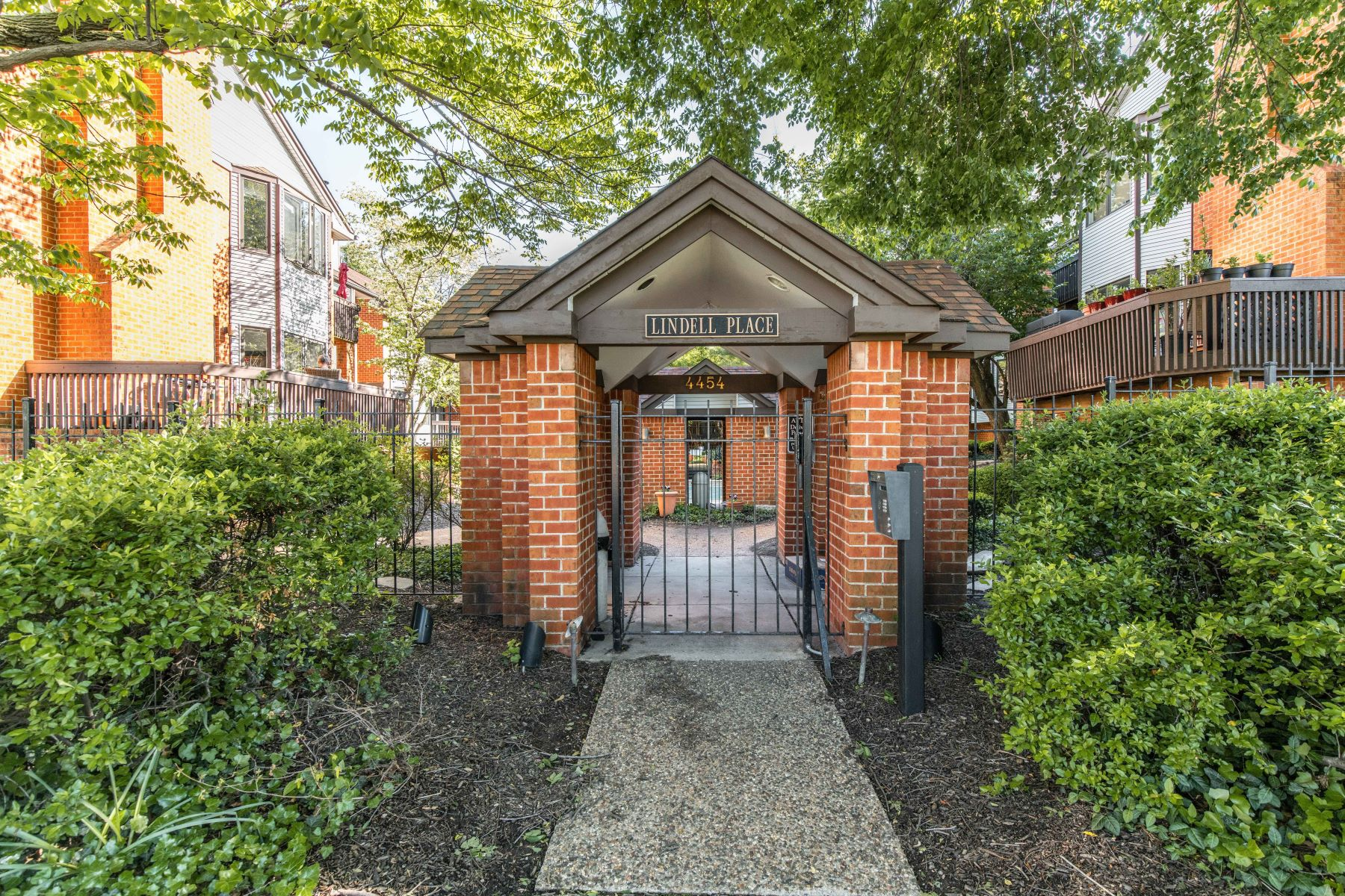 Property for Sale at 4454 Lindell Boulevard #32 St. Louis, Missouri 63108 United States