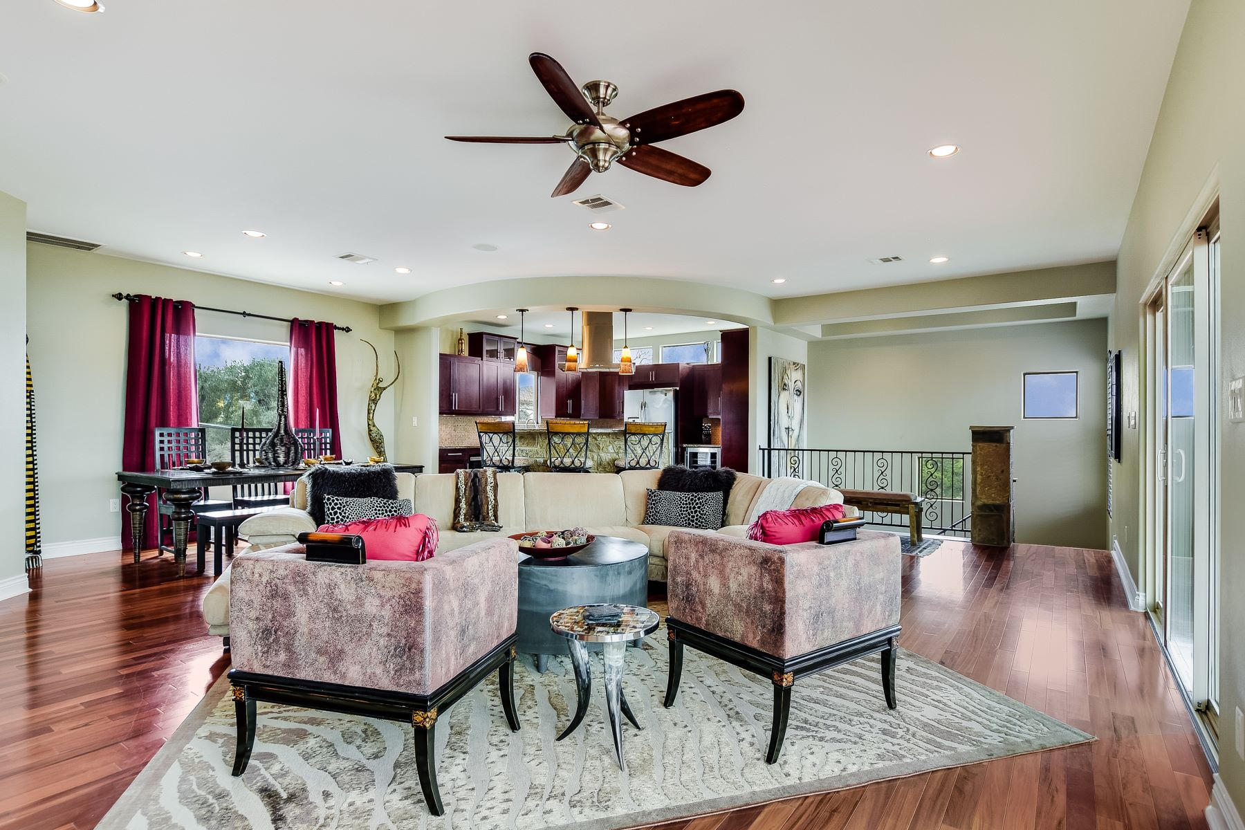Additional photo for property listing at Beautiful Lake Travis Home with Incredible Views 12800 Thomas Street Austin, Texas 78732 United States