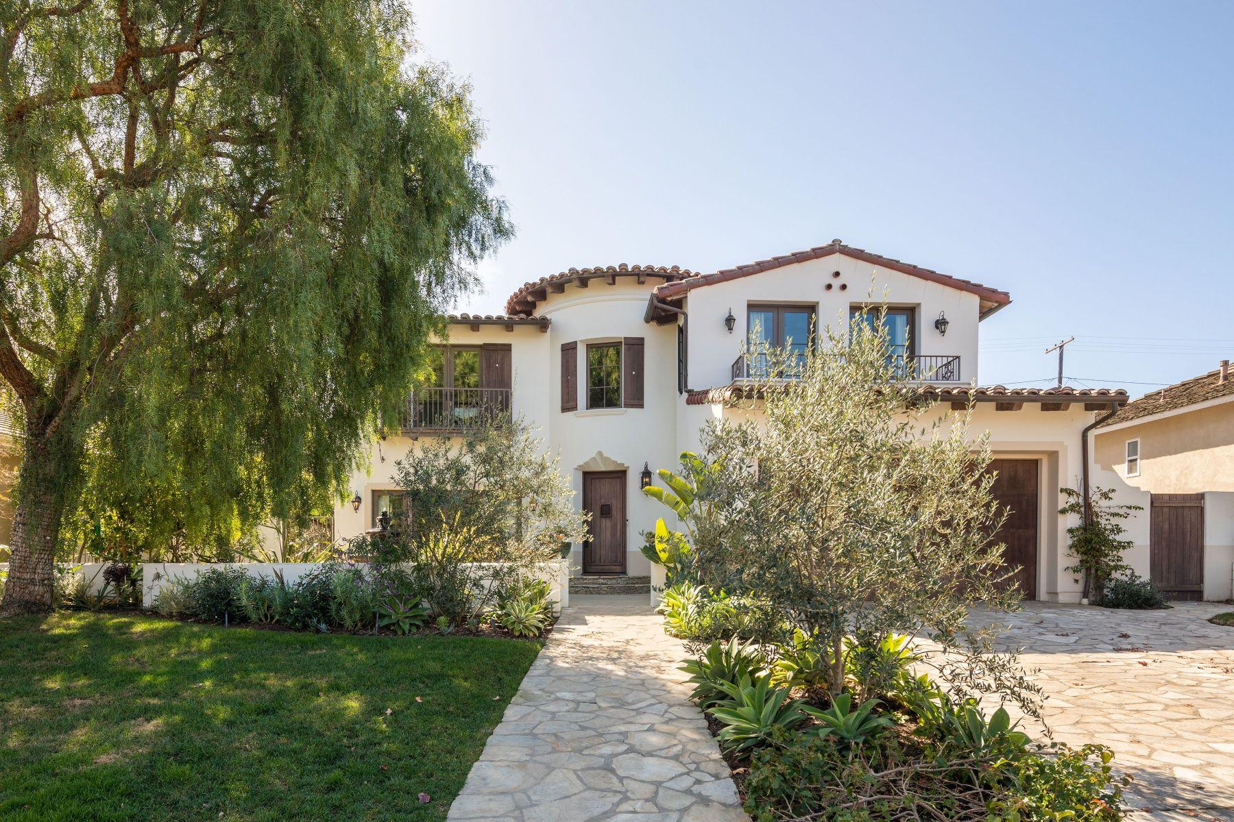 Single Family Homes for Active at 4032 Via Largavista, Palos Verdes Estates, CA 90274 4032 Via Largavista Palos Verdes Estates, California 90274 United States