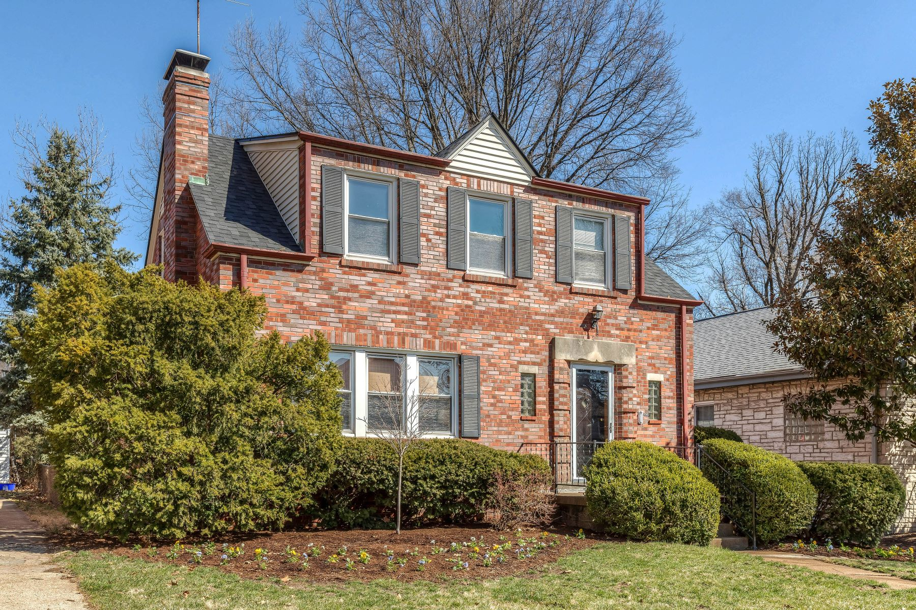 Single Family Home for Sale at Inviting University City Home 7345 Dorset Avenue University City, Missouri 63130 United States