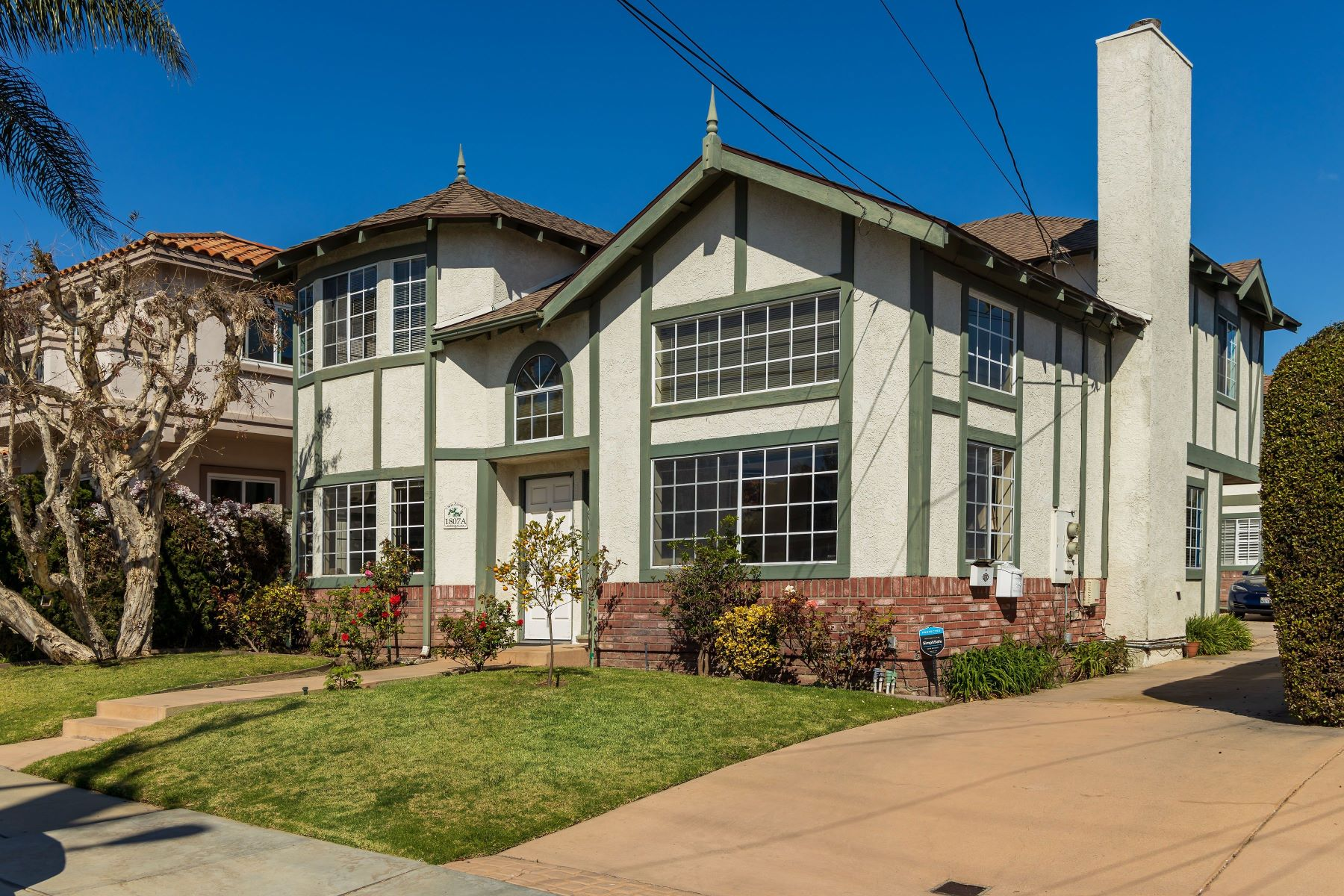 townhouses for Active at 1807 Harriman Lane #A, Redondo Beach, CA 90278 1807 Harriman Lane #A Redondo Beach, California 90278 United States