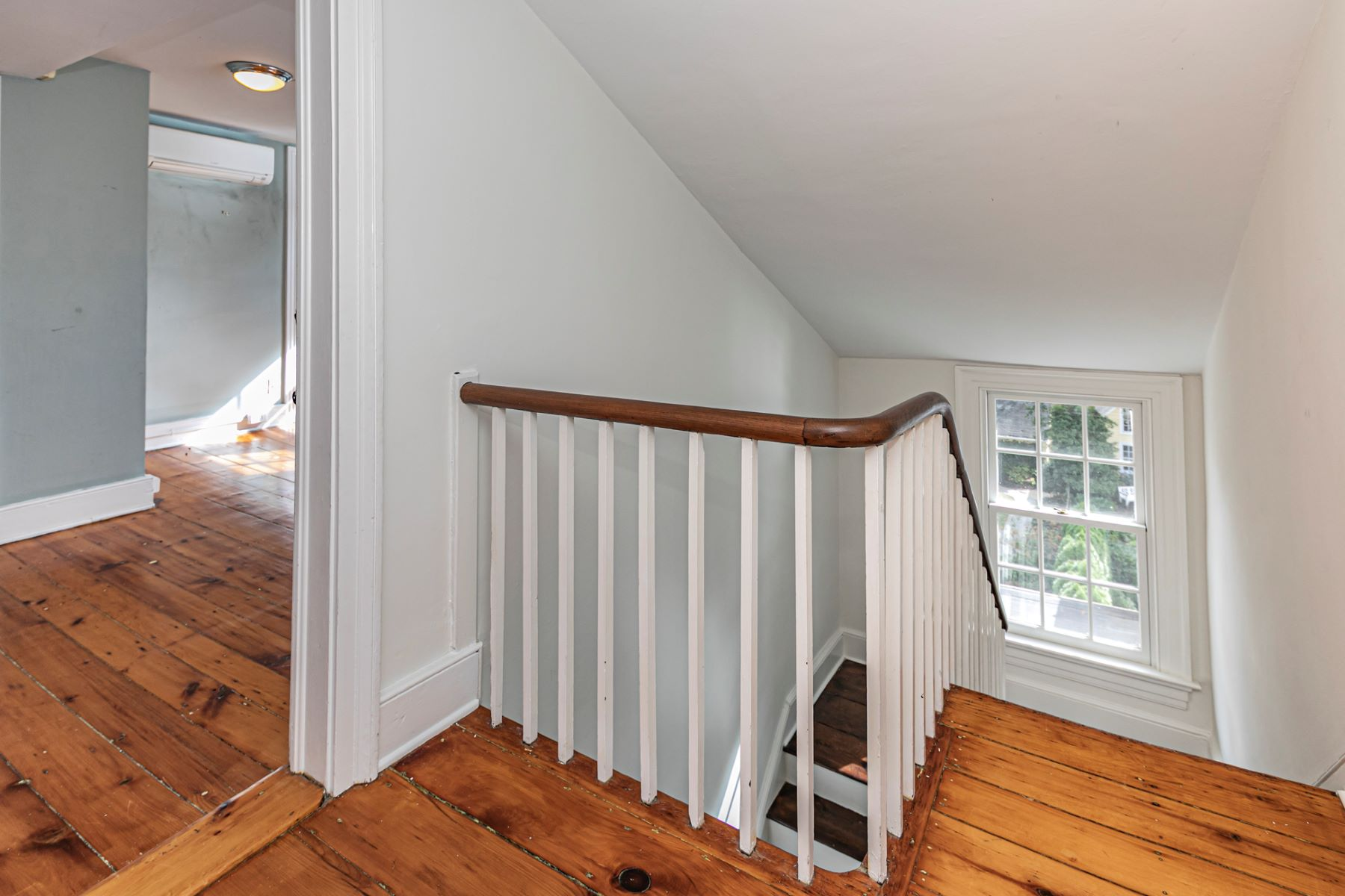 Additional photo for property listing at Newly Renovated 1825 Gem, Right in Town 40 Mercer Street, Princeton, Nueva Jersey 08540 Estados Unidos