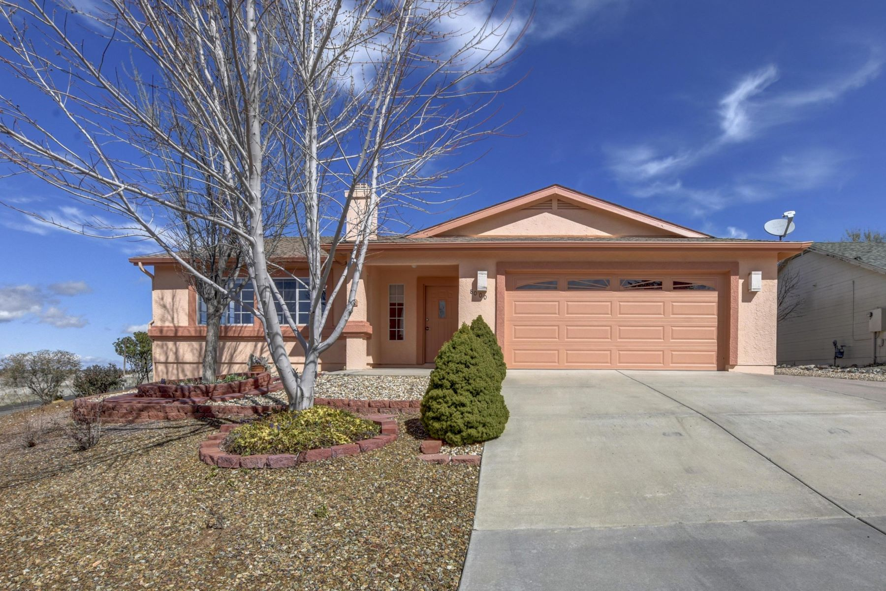 Single Family Homes for Active at 8000 Eagles Nest Lane, Prescott Valley, AZ 86314 8000 Eagles Nest Lane Prescott Valley, Arizona 86314 United States