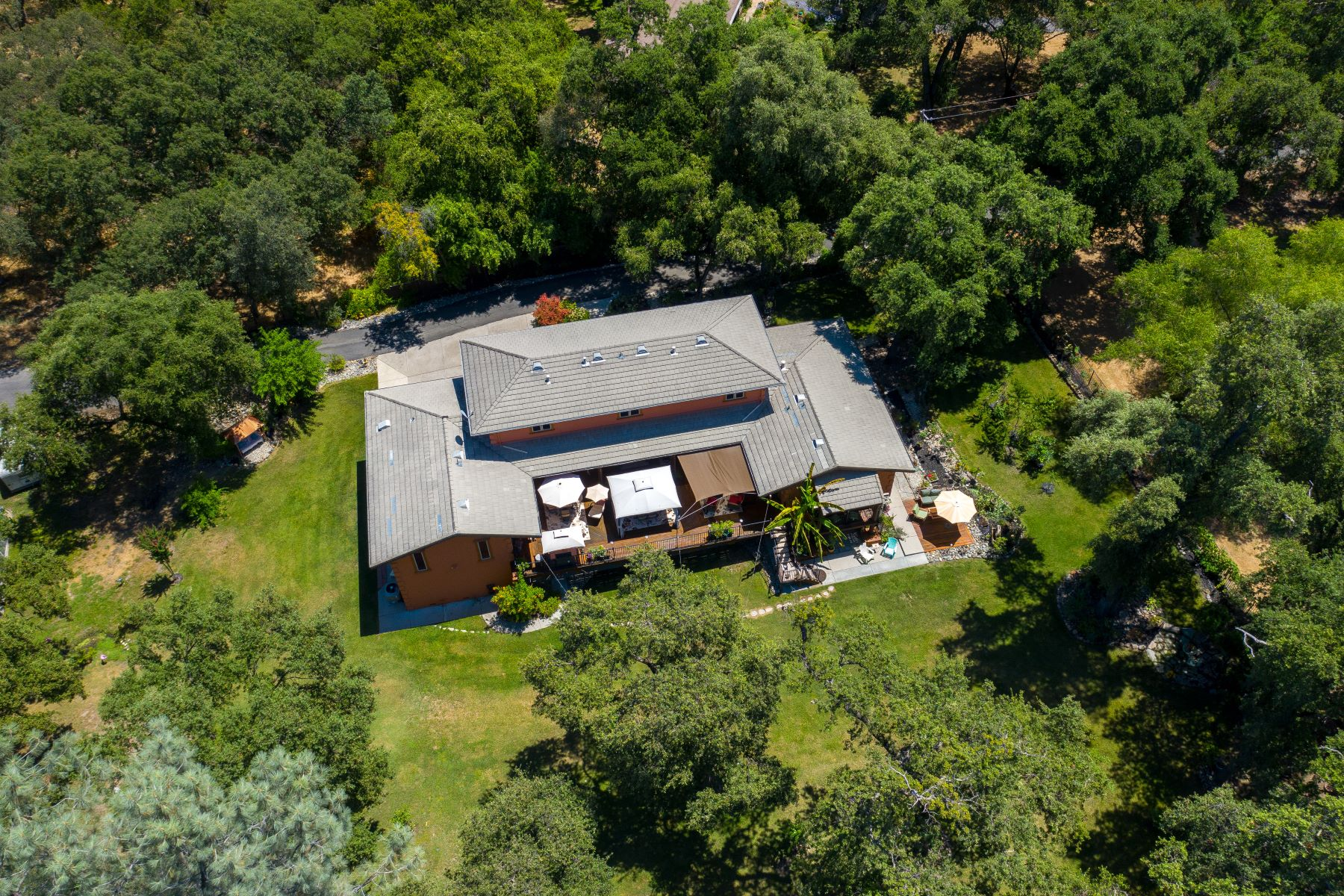 Additional photo for property listing at 7697 Horseshoe Bar Rd Loomis, California 95650 United States