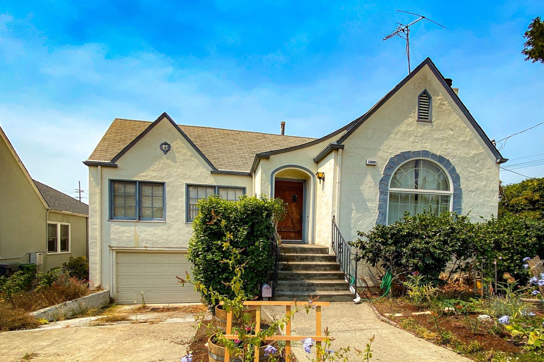 Single Family Homes por un Venta en 1889 Tiffin Road, Oakland, CA 94602 1889 Tiffin Road Oakland, California 94602 Estados Unidos