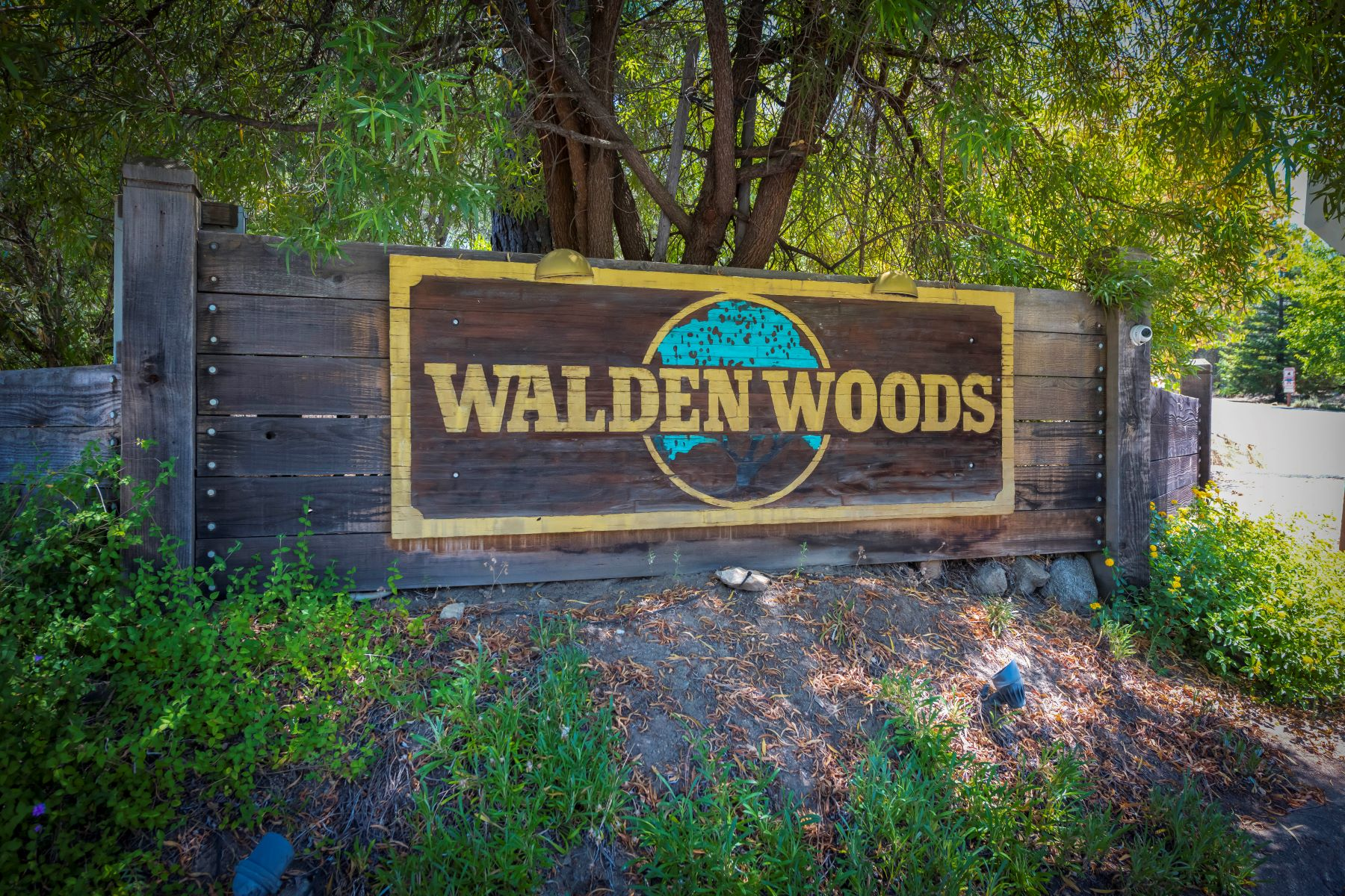 Single Family Homes for Sale at 8210 Walden Woods Way, Granite Bay, CA 95746 8210 Walden Woods Way Granite Bay, California 95746 United States