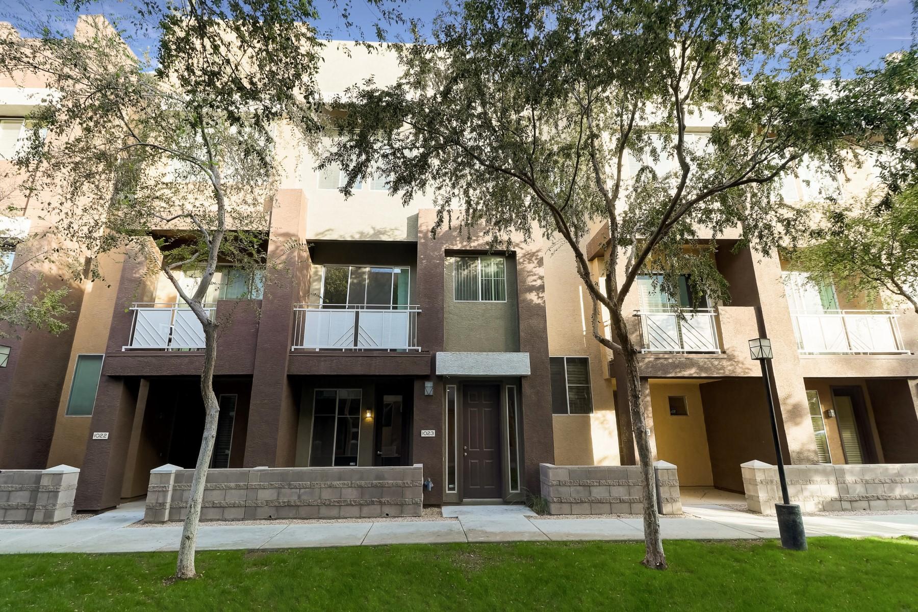 Single Family Homes por un Venta en Quarter Condominium 6605 N 93RD Ave 1021 Glendale, Arizona 85305 Estados Unidos