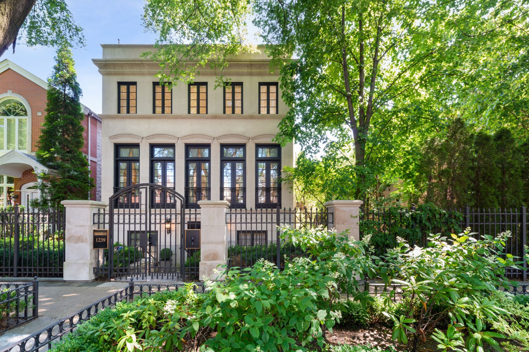 Single Family Homes por un Venta en Sensational Urban Villa 1239 W Altgeld Street Chicago, Illinois 60614 Estados Unidos