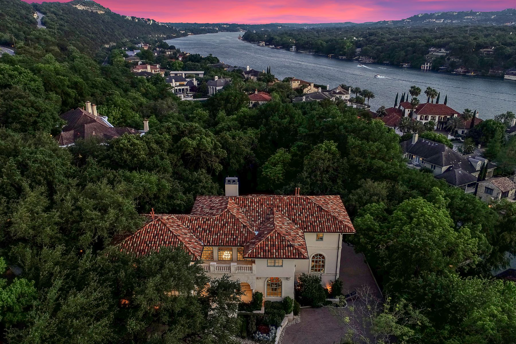 Single Family Homes for Sale at The Marque at Island Cove on Lake Austin 4303 Island Avenue Austin, Texas 78731 United States