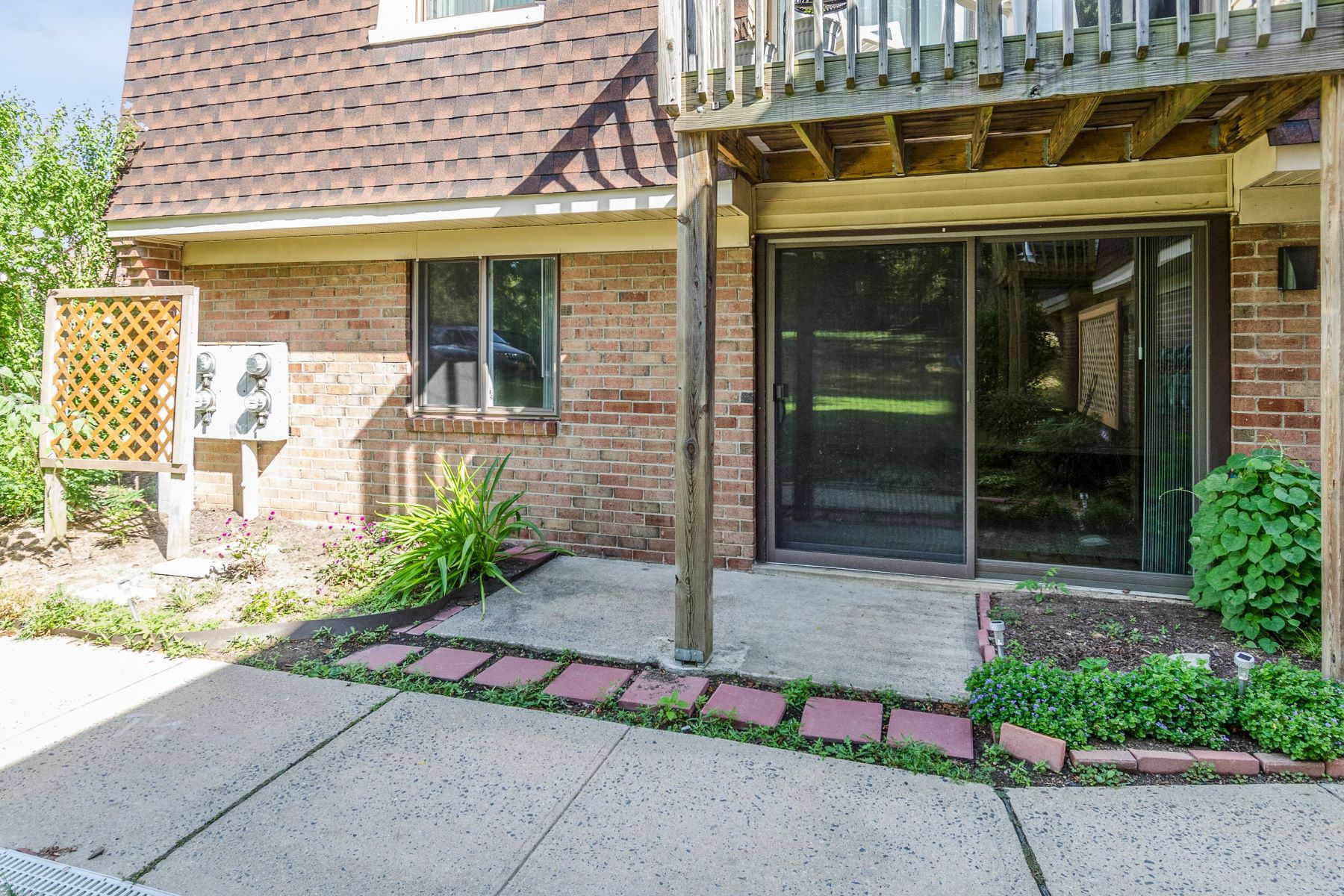 Commuters Will Adore this Meadow Woods Condo 807 Meadow Woods Lane, Lawrence Township, New Jersey 08648 États-Unis
