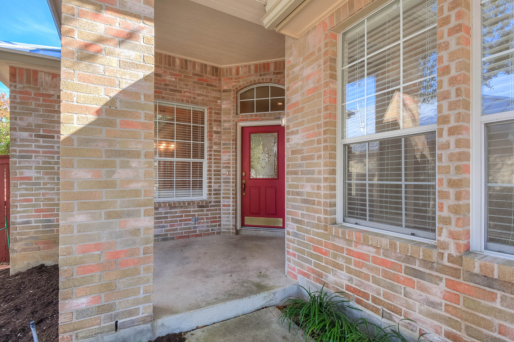 Additional photo for property listing at Lovingly Designed Home in Oakwell Farms 58 Fonthill Way San Antonio, Texas 78218 United States