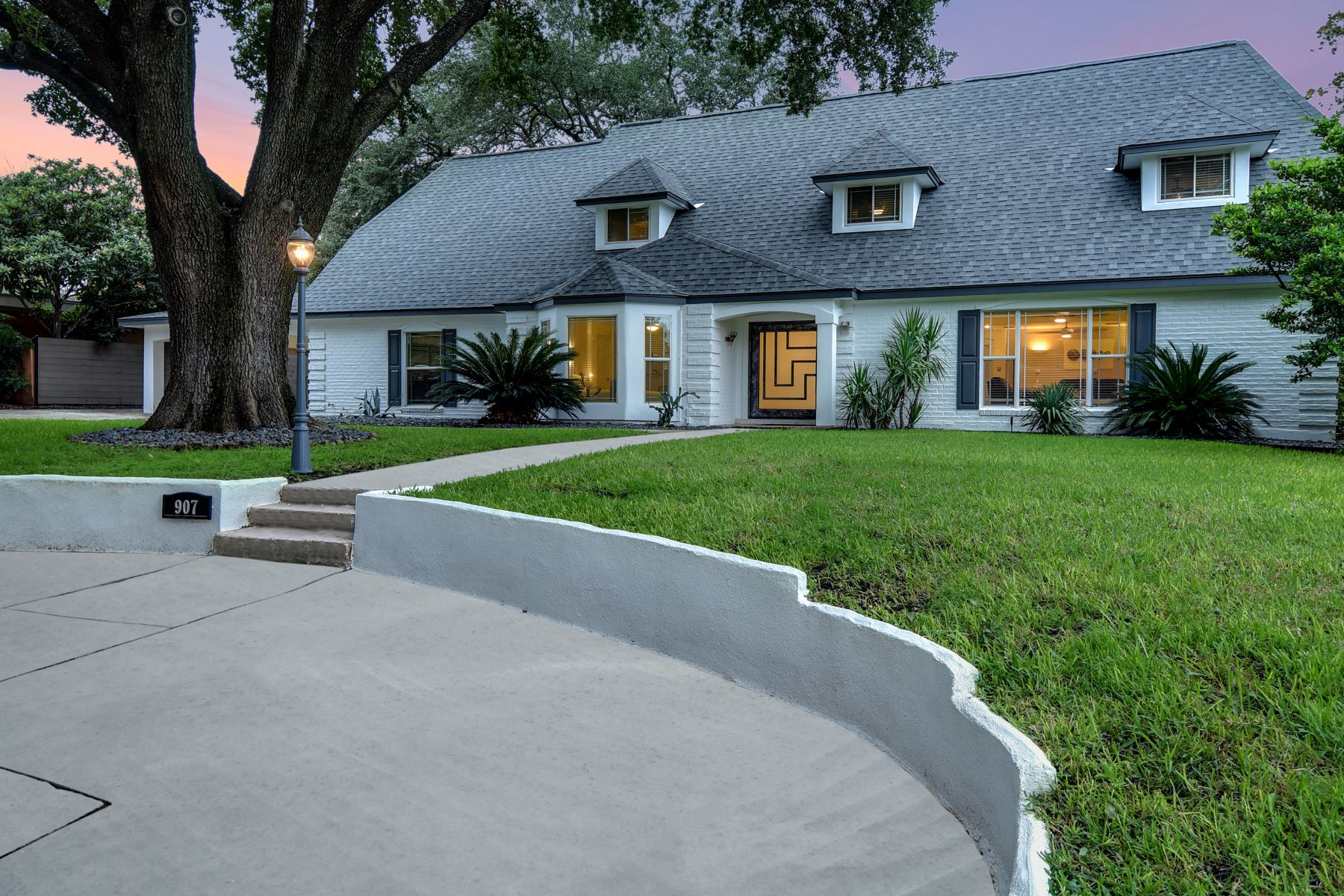 Single Family Homes for Active at Stunning Home in the Heart of Terrell Hills 907 Eventide Drive San Antonio, Texas 78209 United States
