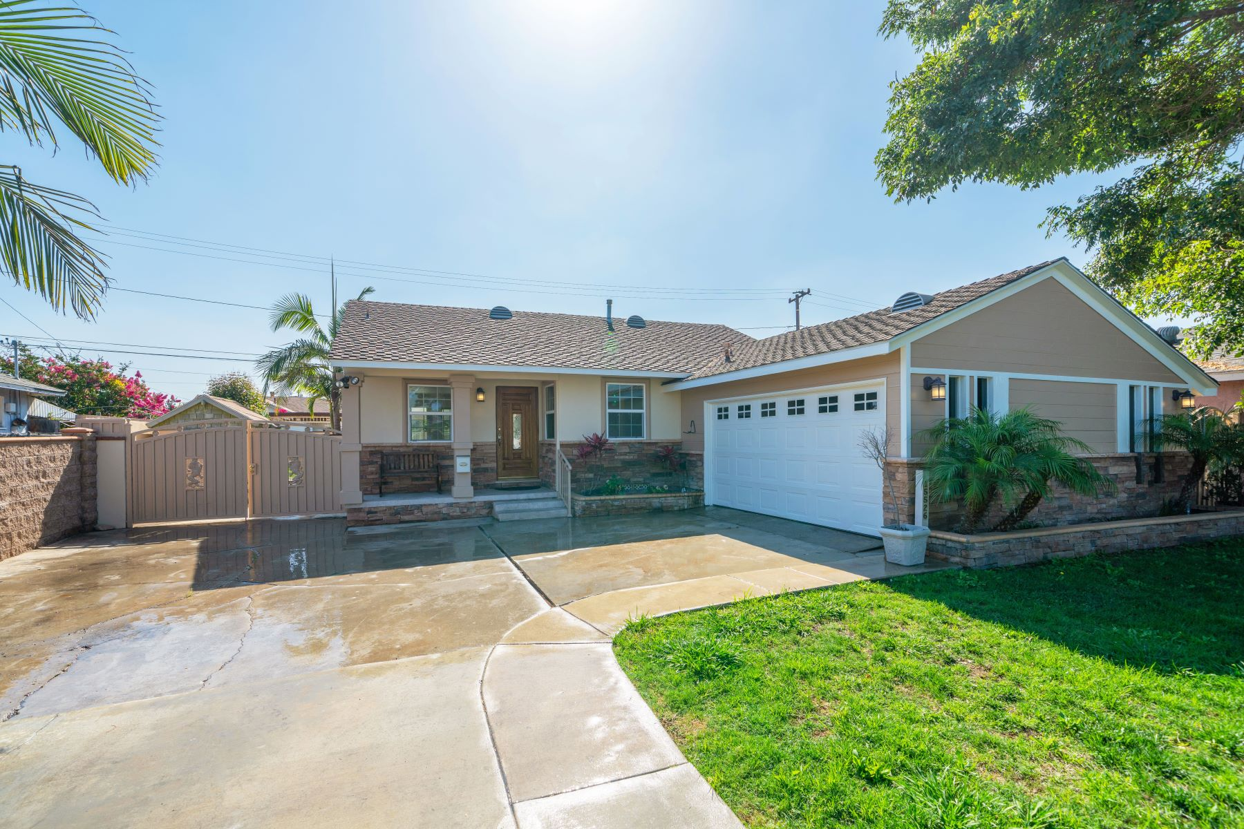 Single Family Homes for Sale at 15526 Prairie Avenue, Lawndale, CA 90260 15526 Prairie Avenue Lawndale, California 90260 United States