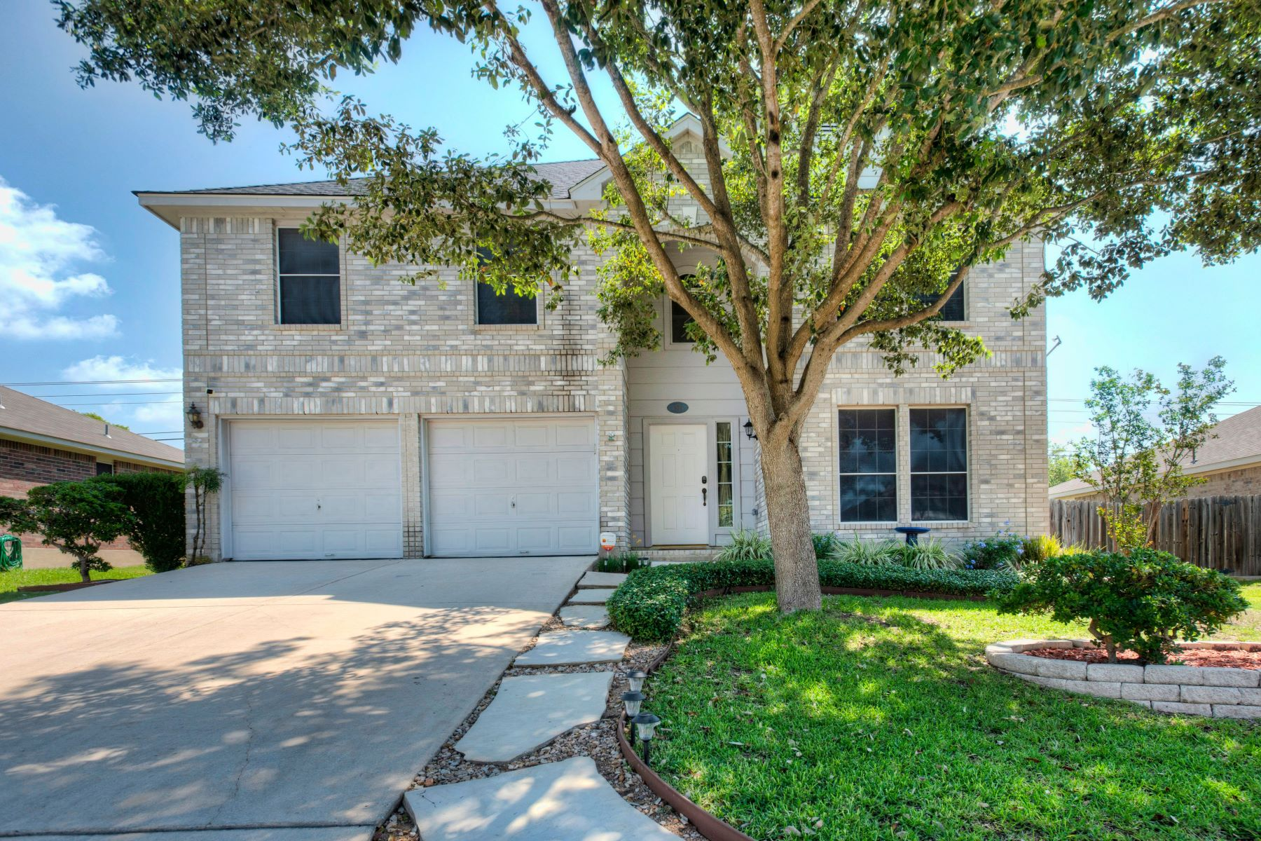 Single Family Homes for Sale at 904 Bending Brook Drive, Schertz, TX 78154 904 Bending Brook Drive Schertz, Texas 78154 United States