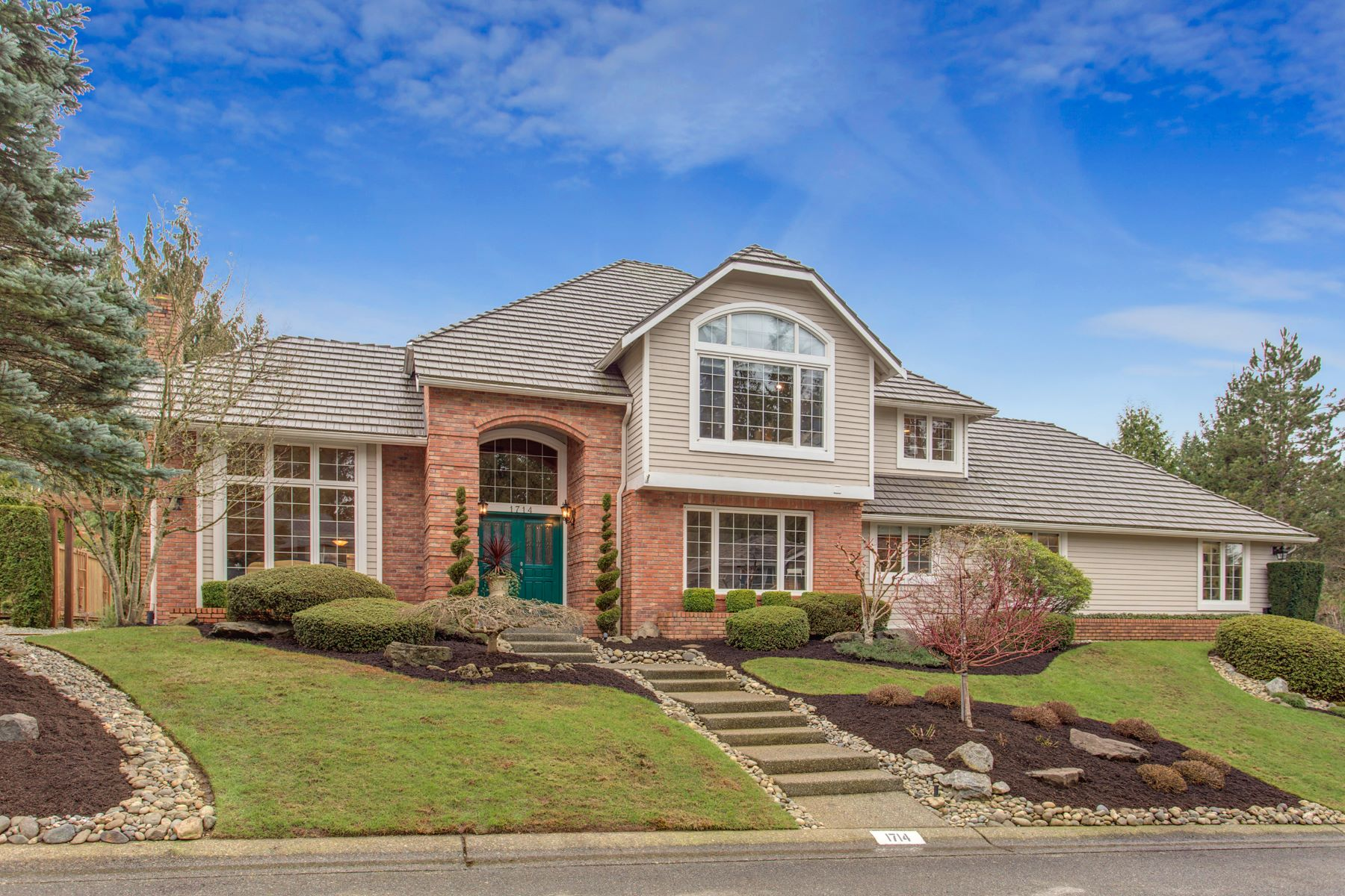 Single Family Homes por un Venta en 1714 148th St SE, Mill Creek, WA 98012 1714 148th St SE Mill Creek, Washington 98012 Estados Unidos