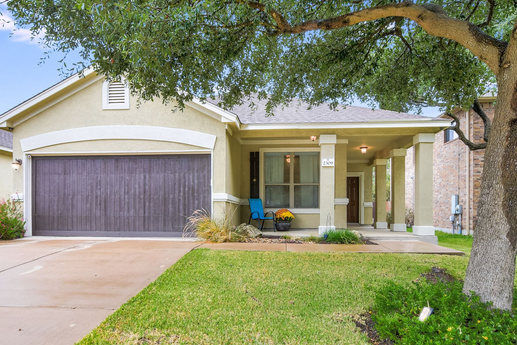 Single Family Homes por un Venta en 2309 Hollis Lane, Cedar Park, TX 78613 Cedar Park, Texas 78613 Estados Unidos