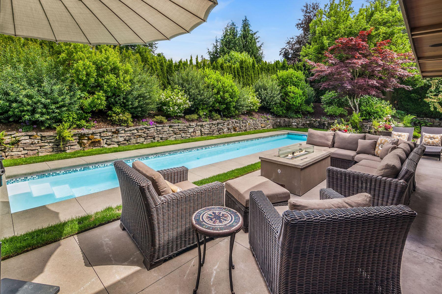 Single Family Homes 為 出售 在 830 84th Ave NE, Medina, WA 98039 Medina, 華盛頓州 98039 美國