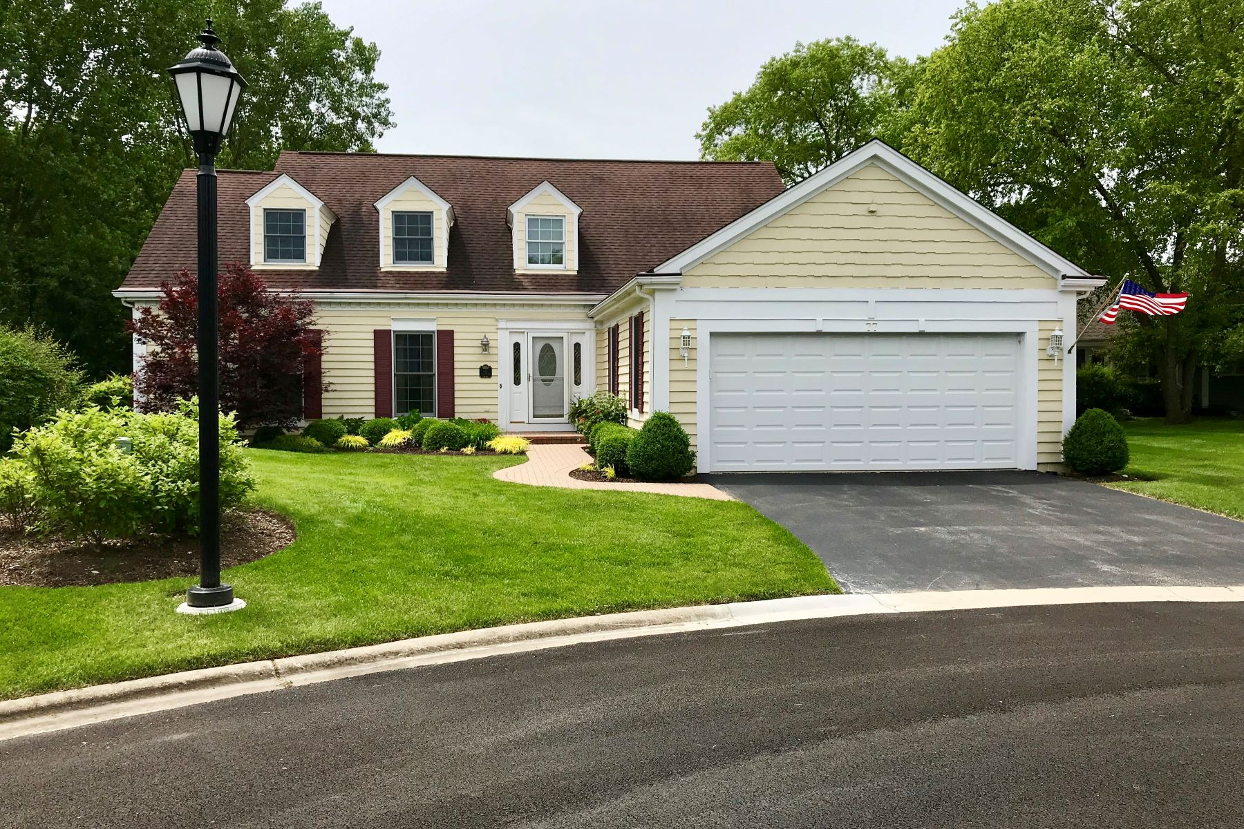 Single Family Homes for Active at Finest Gated Community 77 Lochleven Lane Inverness, Illinois 60067 United States