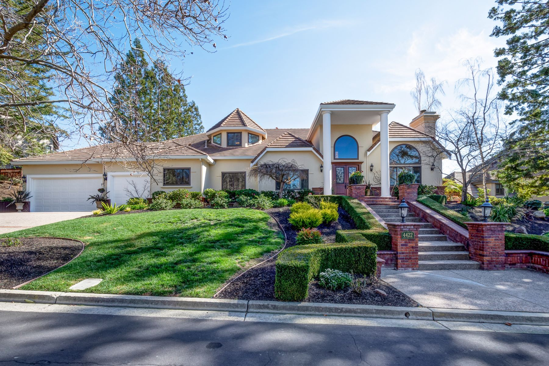 Single Family Homes for Sale at 4422 Deer Ridge Road, Danville, CA 94506 4422 Deer Ridge Road Danville, California 94506 United States