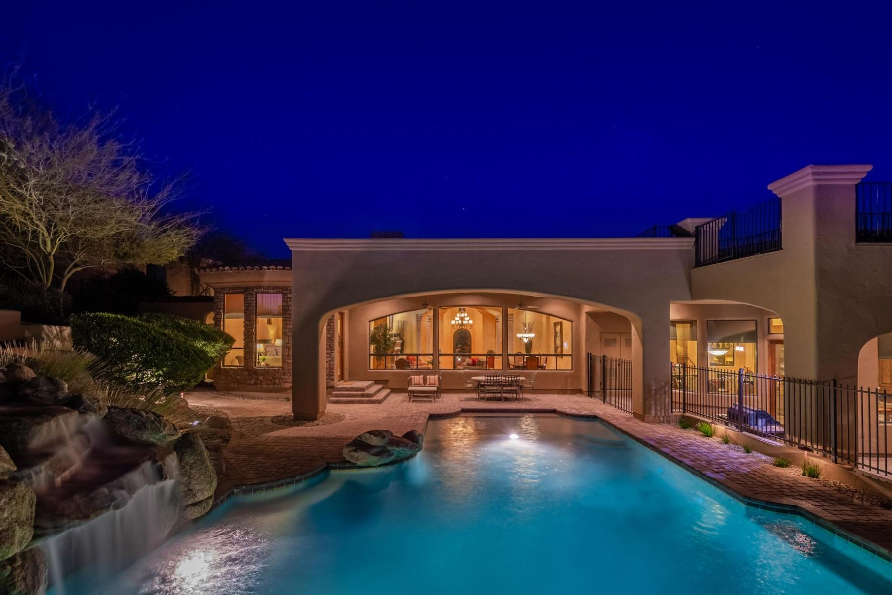 Single Family Homes for Active at Spectacular Views! 4318 N DESERT OASIS CIR Mesa, Arizona 85207 United States