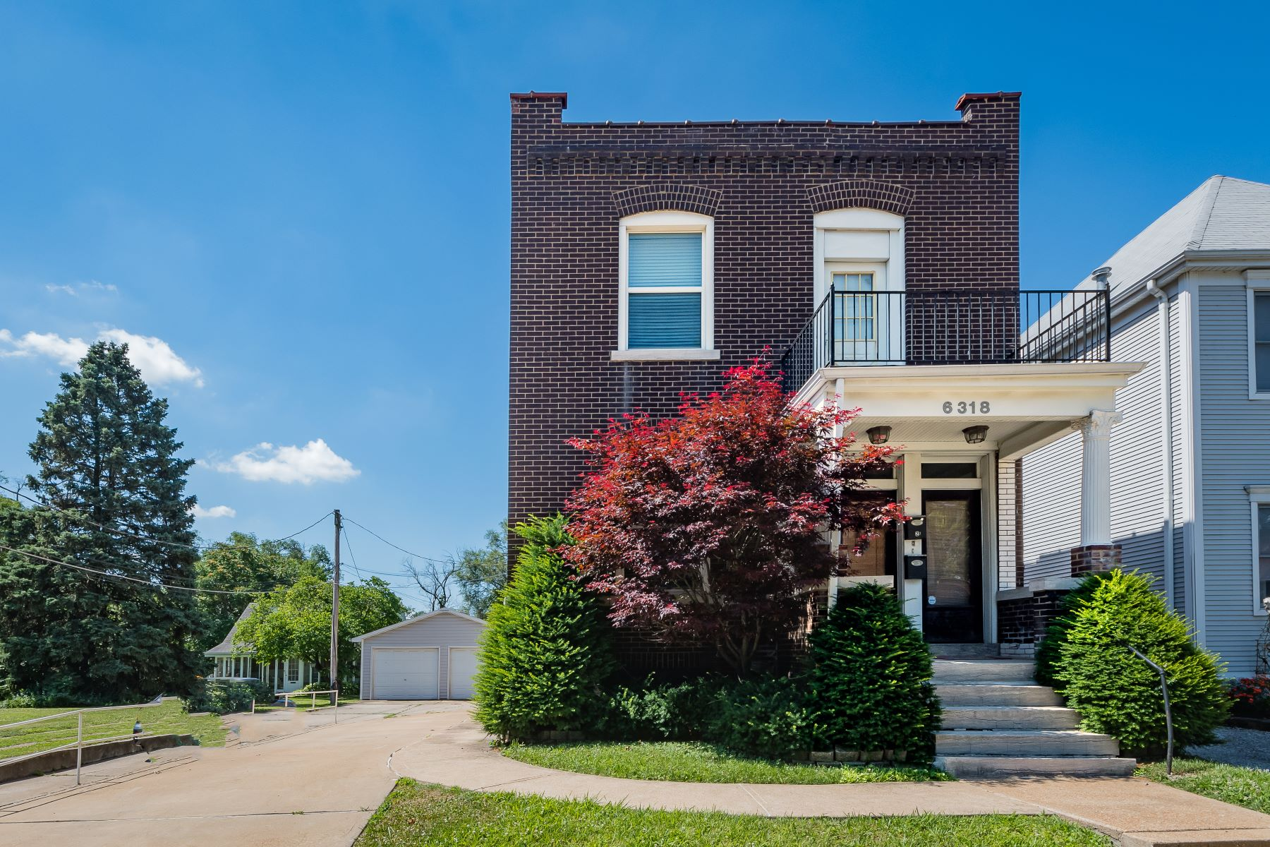 Multi-Family Homes for Sale at Great Dogtown Multi-building Property 6318 West Park Avenue St. Louis, Missouri 63139 United States