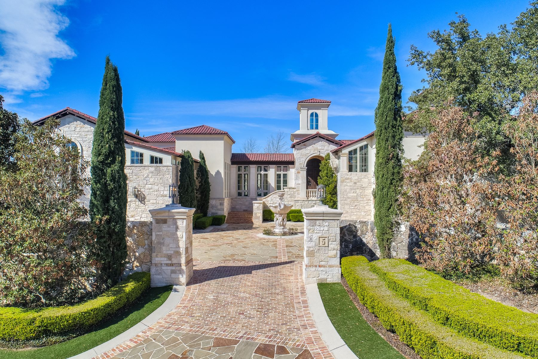 Single Family Homes for Sale at Unparalleled Craftsmanship in The Dominion 5 Crescent Bluff San Antonio, Texas 78257 United States