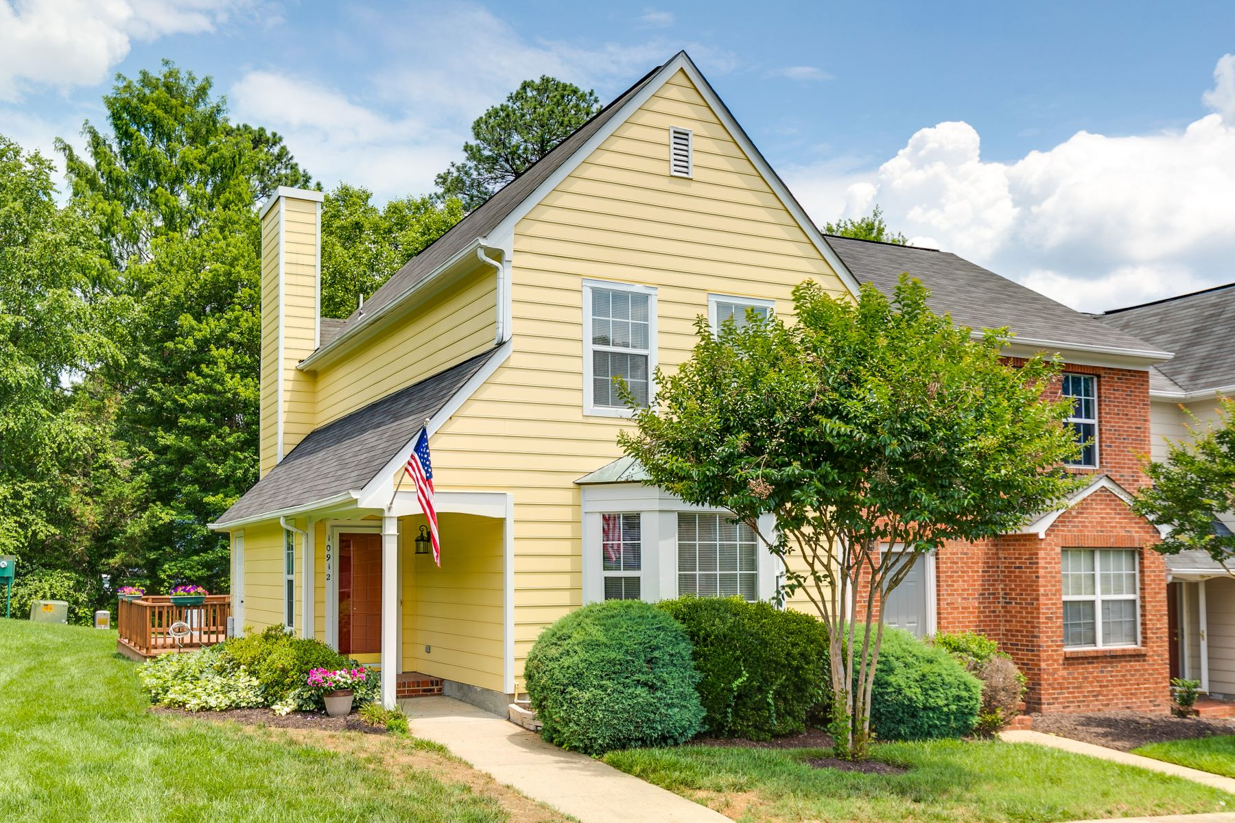 townhouses для того Продажа на 10912 Bush Lake Lane, Glen Allen, Va, 23060 Glen Allen, Виргиния 23060 Соединенные Штаты