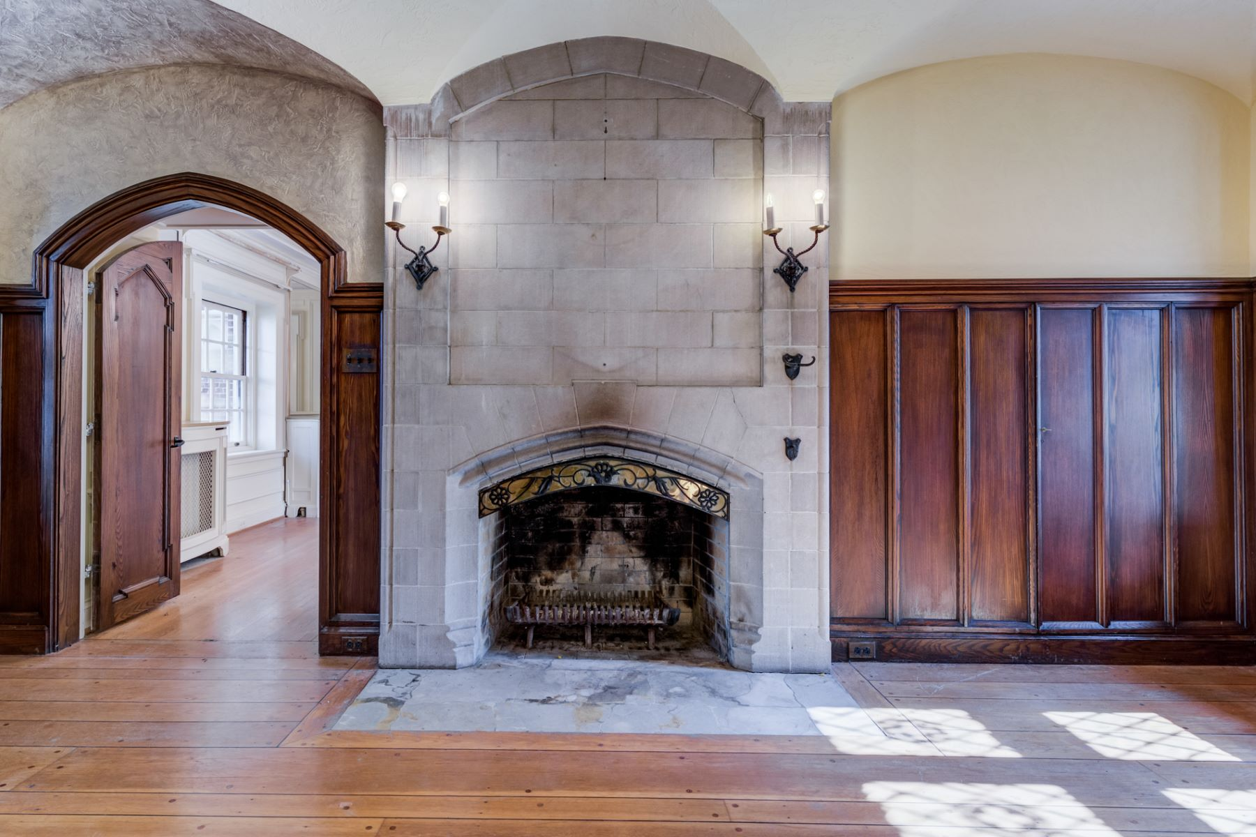 Additional photo for property listing at The Watkins Estate 1601 South Warson Road Ladue, Missouri 63124 United States