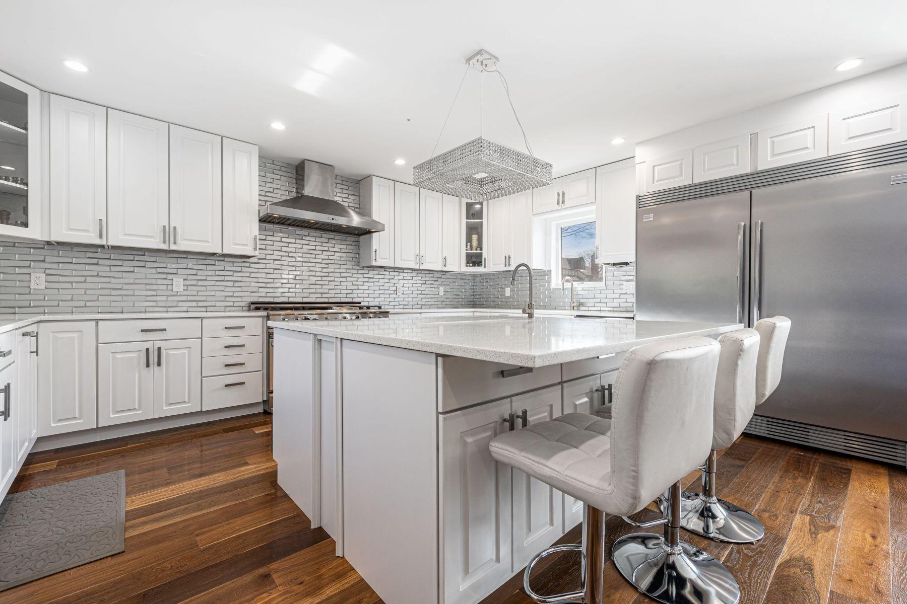 Single Family Homes 為 出售 在 Oceanside 3285 Bayfield Boulevard, Oceanside, 纽约 11572 美國