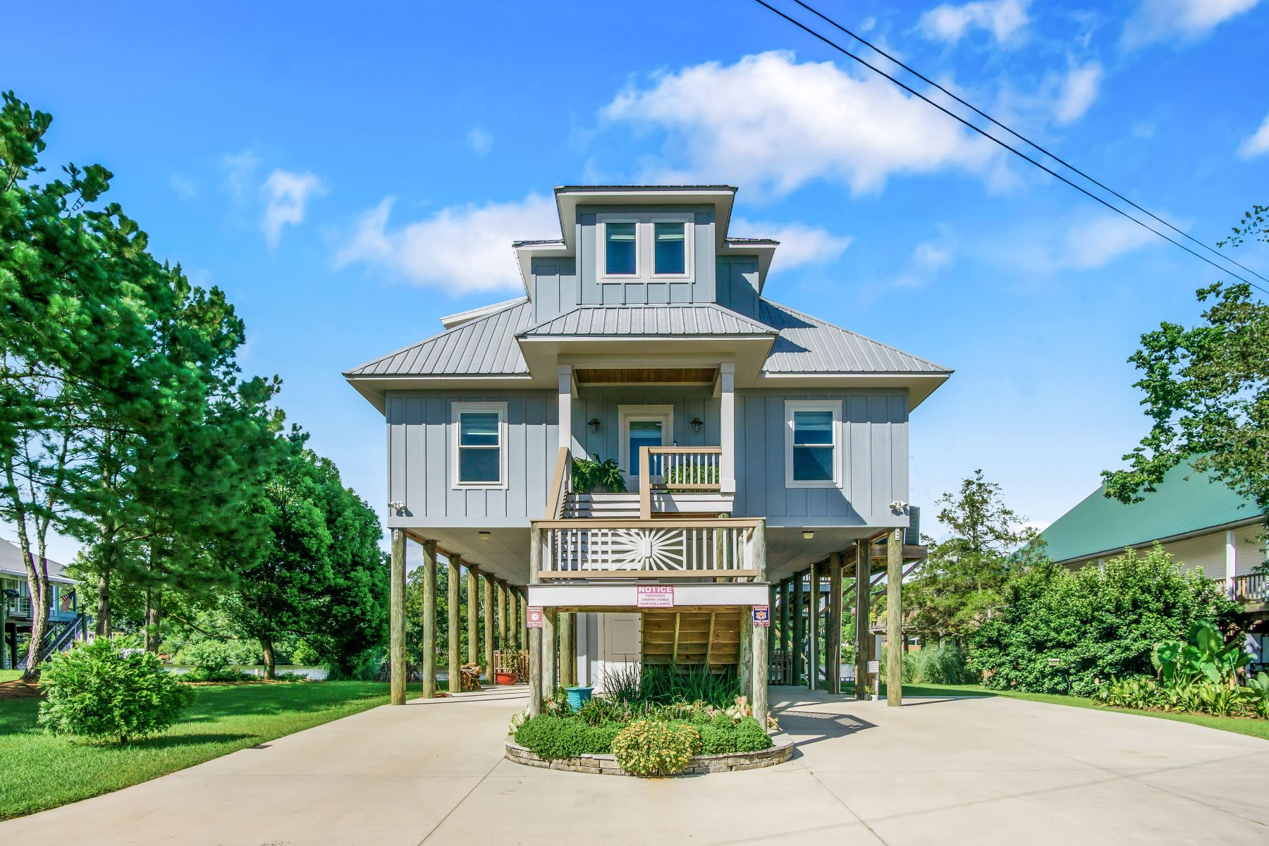 Single Family Homes 为 销售 在 15860 Keeney Drive, Fairhope, AL 36532 15860 Keeney Drive Fairhope, 阿拉巴马州 36532 美国
