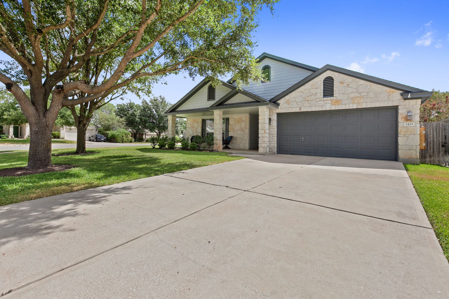 Single Family Homes for Active at 3419 Rod Carew Drive, Round Rock, TX 78665 3419 Rod Carew Drive Round Rock, Texas 78665 United States