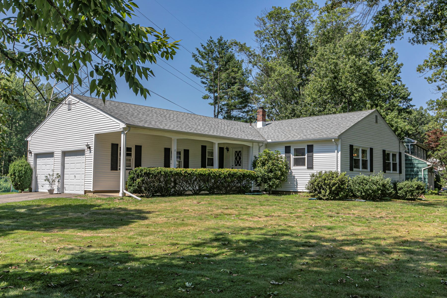 Single Family Homes for Active at Beautifully Priced and Cheerfully Bright 17 Galston Drive Princeton Junction, New Jersey 08550 United States