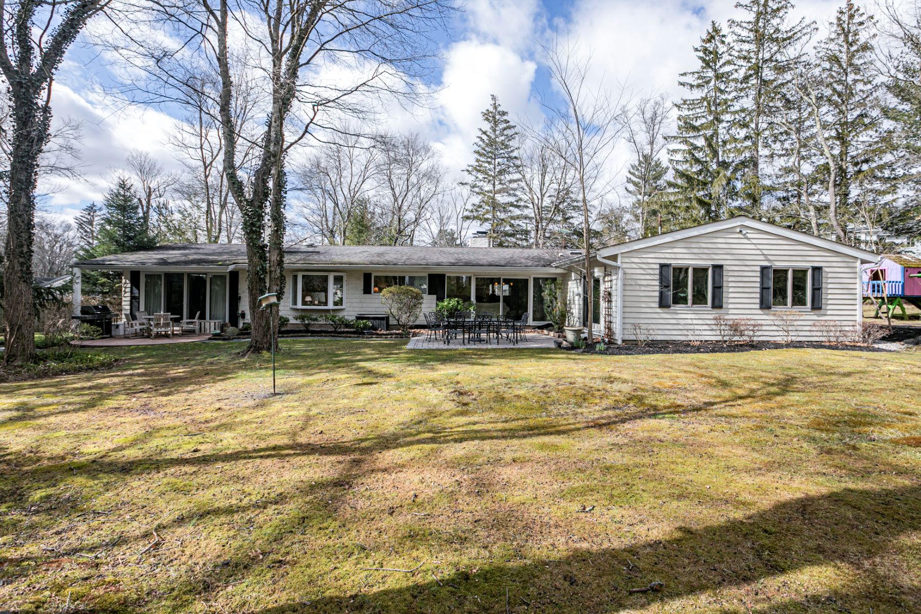 Additional photo for property listing at Renovated Princeton Mid-Century Modern 16 Westerly Road, Princeton, New Jersey 08540 United States