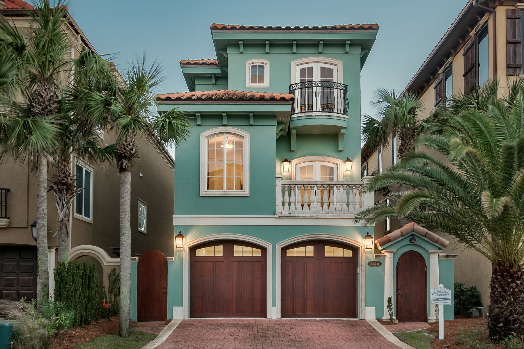 single family homes for Active at Gulf-front Mediterranean Retreat 4744 Ocean Boulevard Destin, Florida 32541 United States