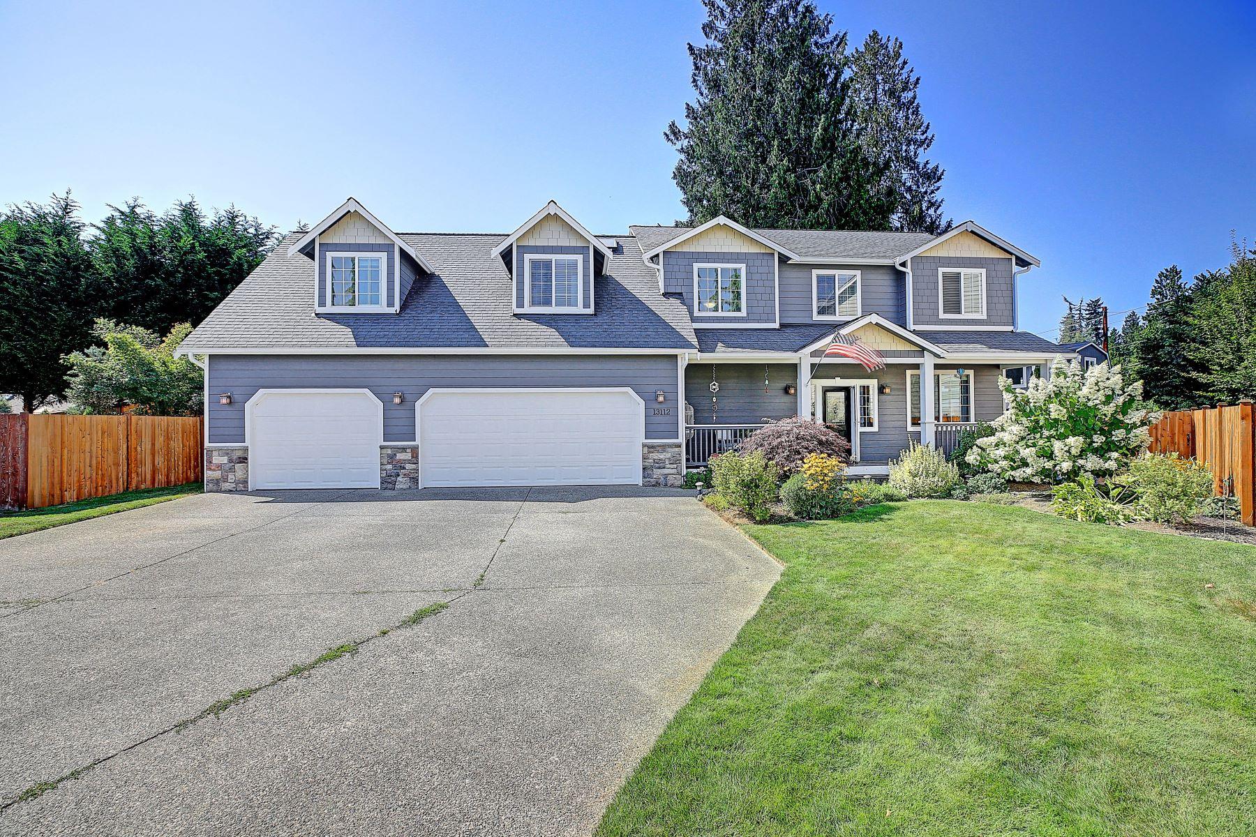 Single Family Homes por un Venta en 13112 55th Dr NE, Marysville, WA 98271 13112 55th Dr NE Marysville, Washington 98271 Estados Unidos