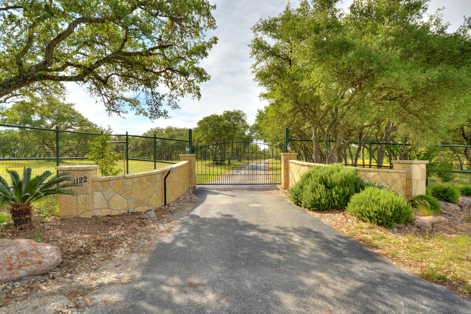 Casa Unifamiliar por un Venta en 801 +/- Acres at Harvest Creek Ranch 2734 Harvest Creek Ln Boerne, Texas 78006 Estados Unidos