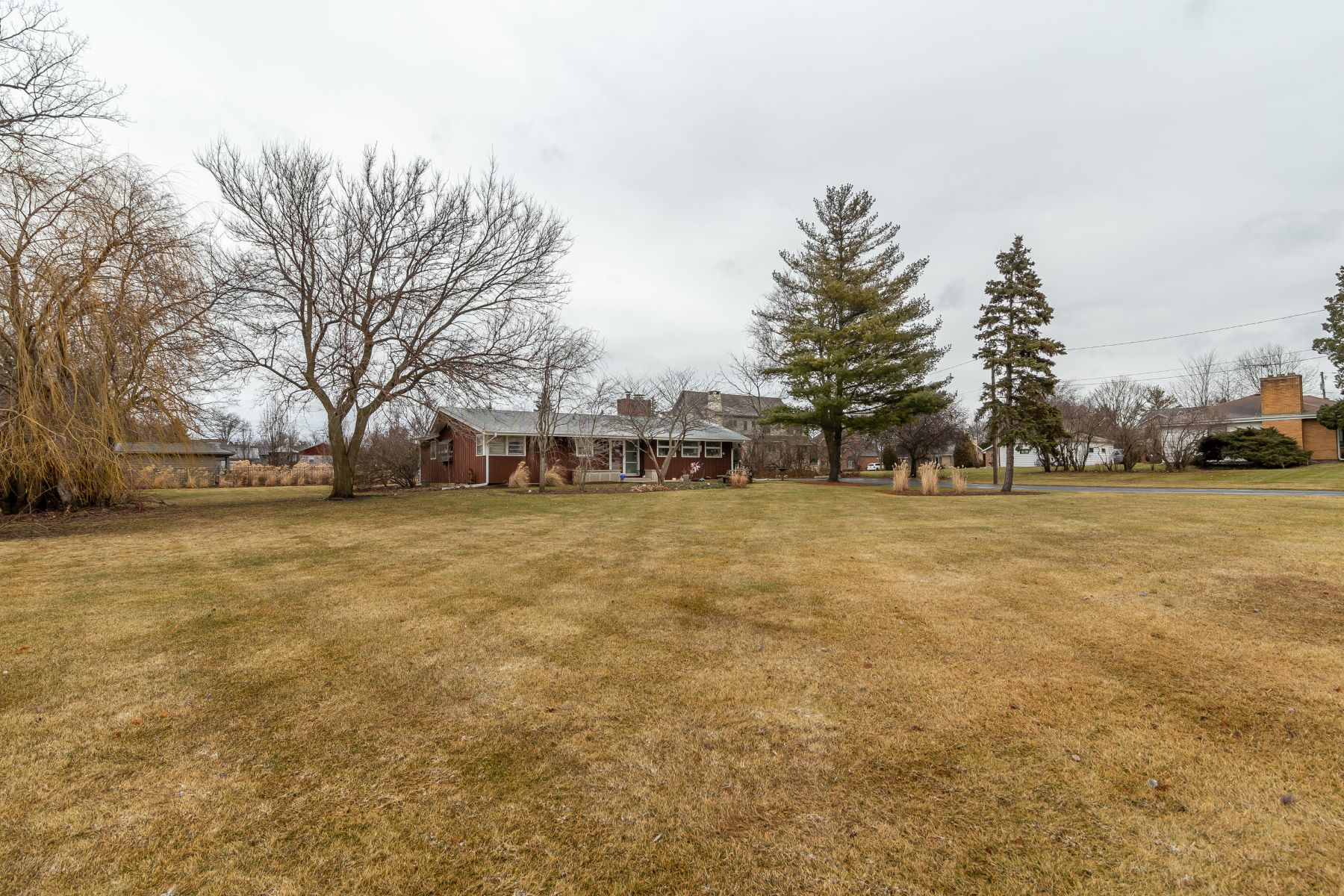 Single Family Homes for Active at Three Bedroom Palatine Ranch Home 160 East Wilmette Avenue Palatine, Illinois 60067 United States