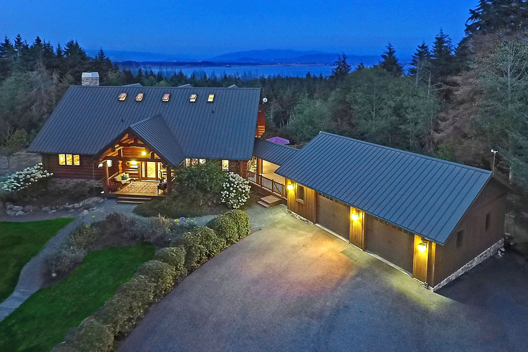 Single Family Homes 용 매매 에 3256 Killion Lane, Oak Harbor, WA 98277 Oak Harbor, 워싱톤 98277 미국