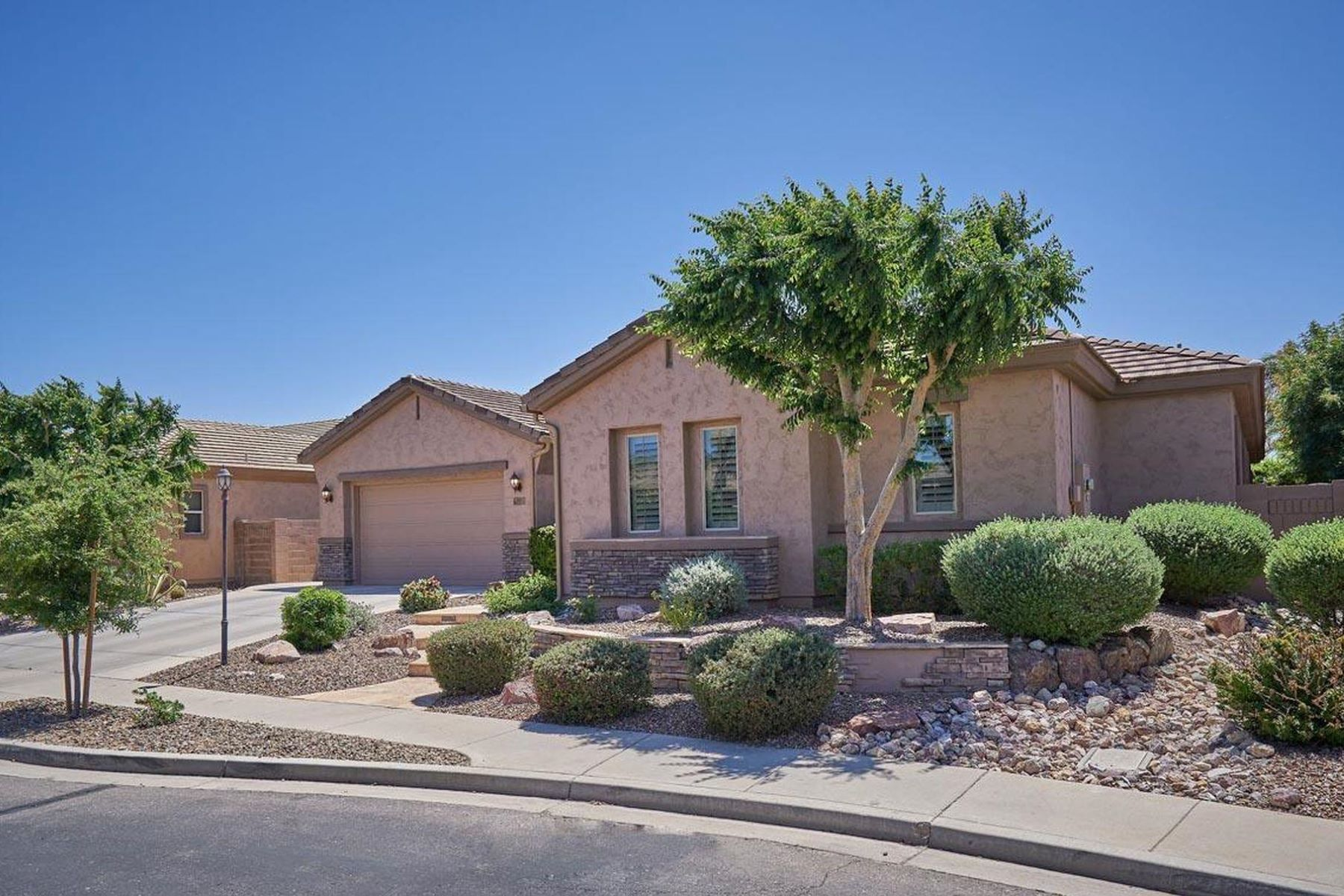 Single Family Homes για την Πώληση στο Countryside Estates 2027 E POWELL PL, Chandler, Αριζονα 85249 Ηνωμένες Πολιτείες