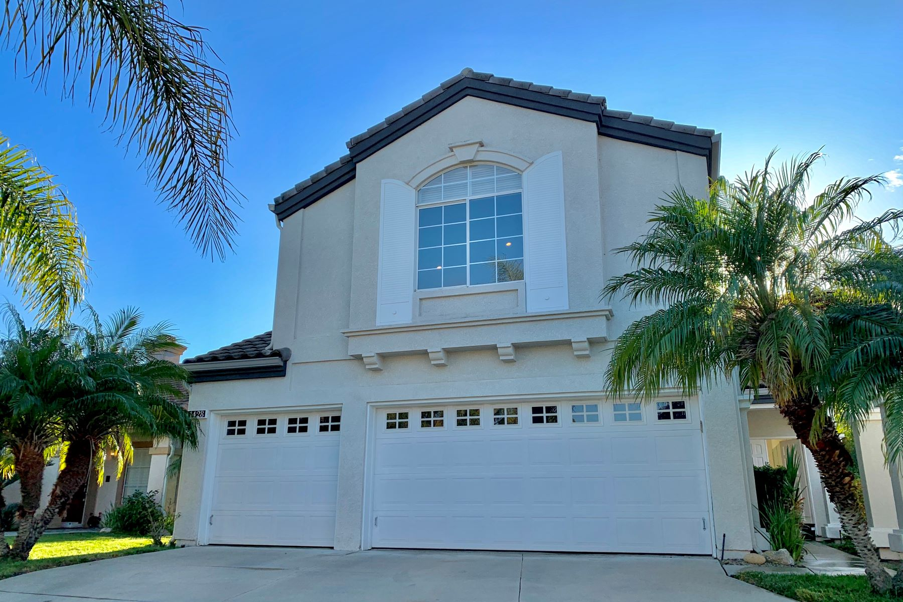 Single Family Homes for Sale at 1428 Sapphire Dragon Street, Thousand Oaks, CA 91320 1428 Sapphire Dragon Street Thousand Oaks, California 91320 United States