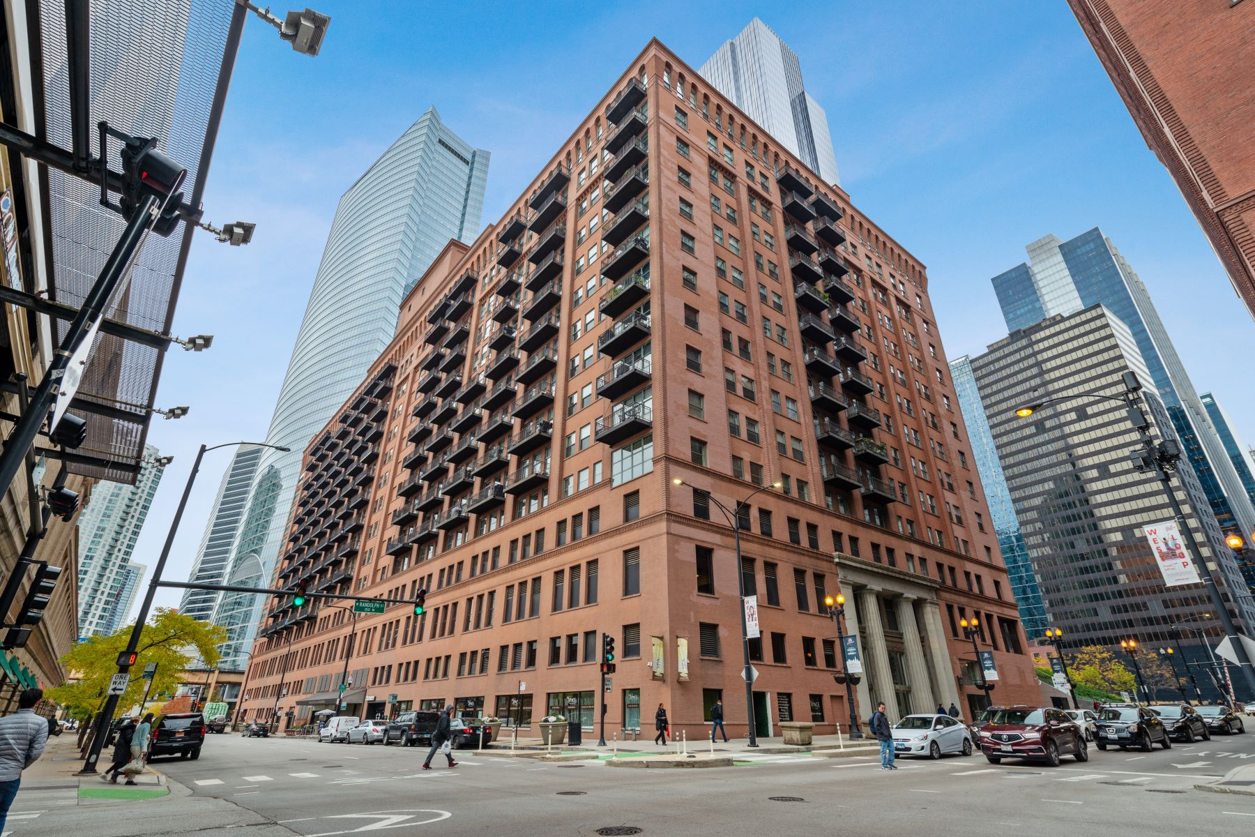 Single Family Homes for Active at Premier West Loop Condo 165 N Canal Street Unit 512 Chicago, Illinois 60606 United States