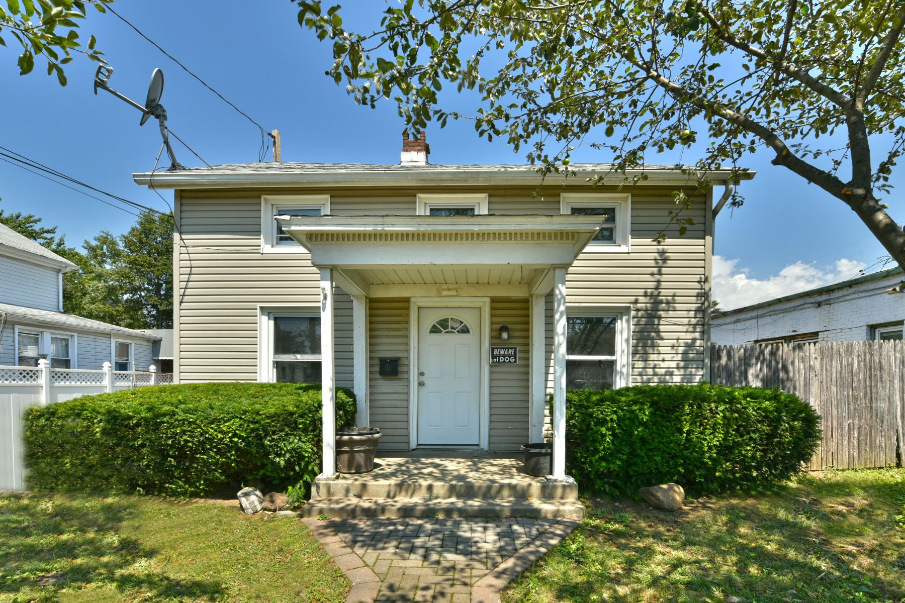 Single Family Homes 為 出售 在 49 Totten Street, Hempstead, Ny, 11550 Hempstead, 纽约 11550 美國