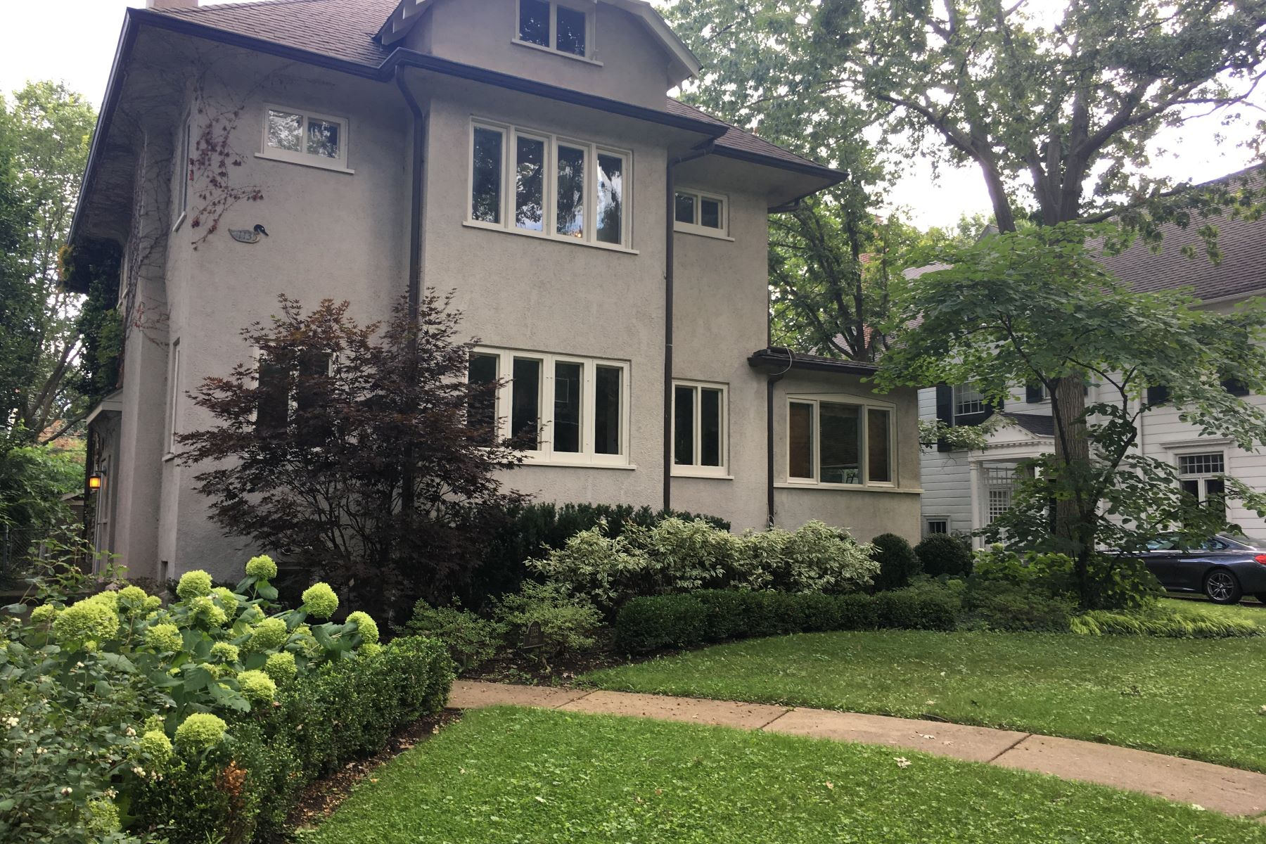 Single Family Home for Active at Sunny And Charming 1135 Michigan Avenue Evanston, Illinois 60202 United States