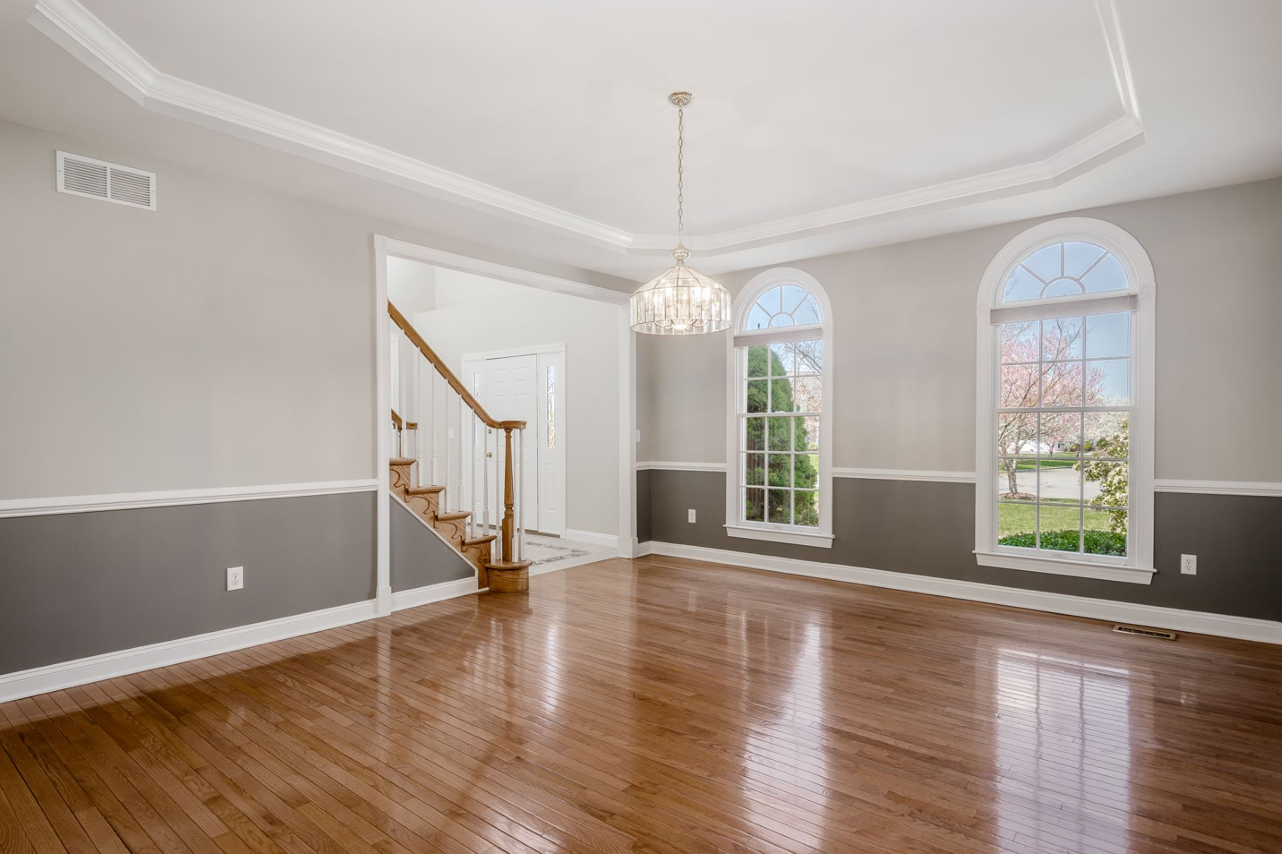 Additional photo for property listing at Hopewell Hunt Beauty with All the Comforts 20 Morris Drive, Princeton, New Jersey 08540 United States