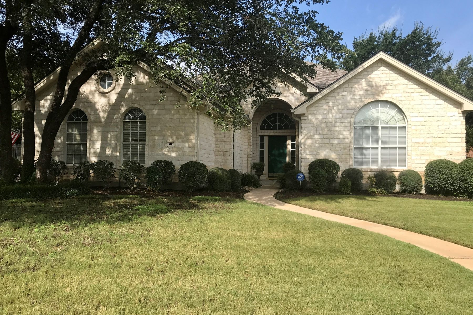 Single Family Homes for Sale at Amazing , remodeled home with upgrades 310 Rim Rock Drive Georgetown, Texas 78628 United States