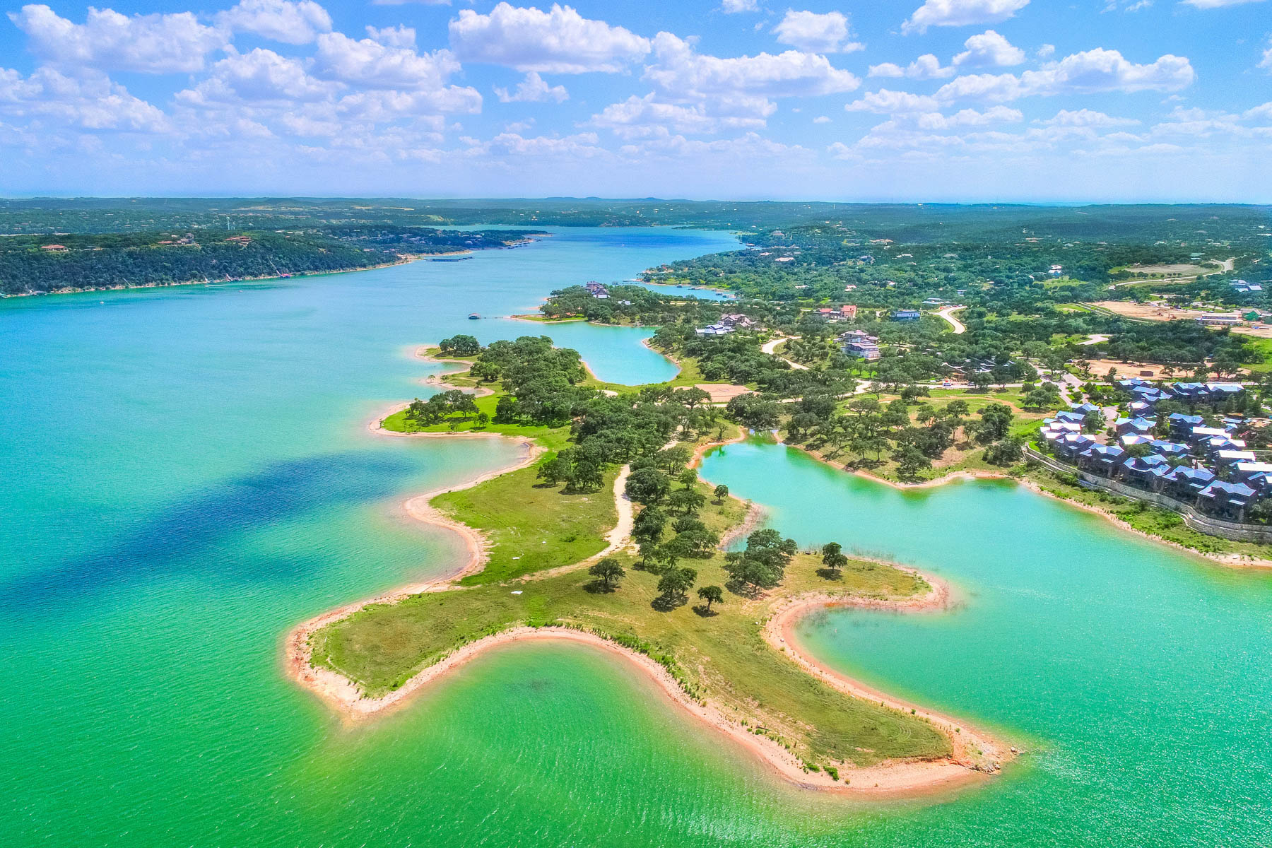 Terreno por un Venta en The Reserve on Lake Travis: 12.24 Waterfront Acres 2200 Cypress Club Pointe Spicewood, Texas 78669 Estados Unidos