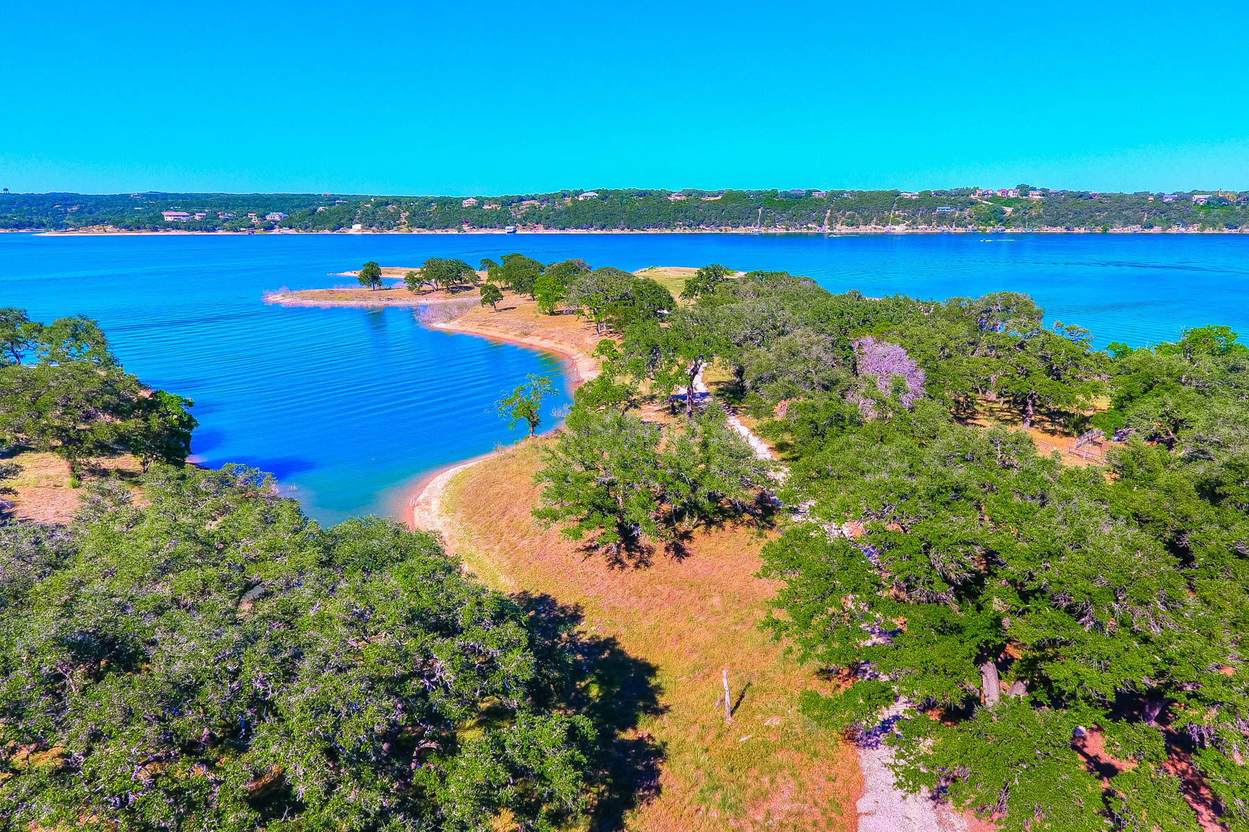 Additional photo for property listing at The Reserve on Lake Travis: 12.24 Waterfront Acres 2200 Cypress Club Pointe Spicewood, Texas 78669 Estados Unidos
