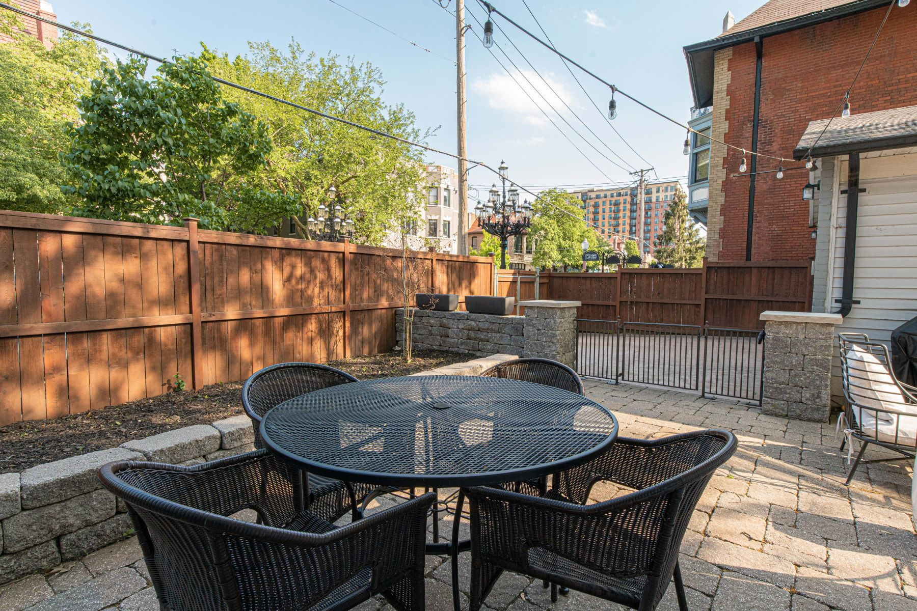 Additional photo for property listing at The Gem Of Central West End! 4900 Pershing Place St. Louis, Missouri 63108 United States
