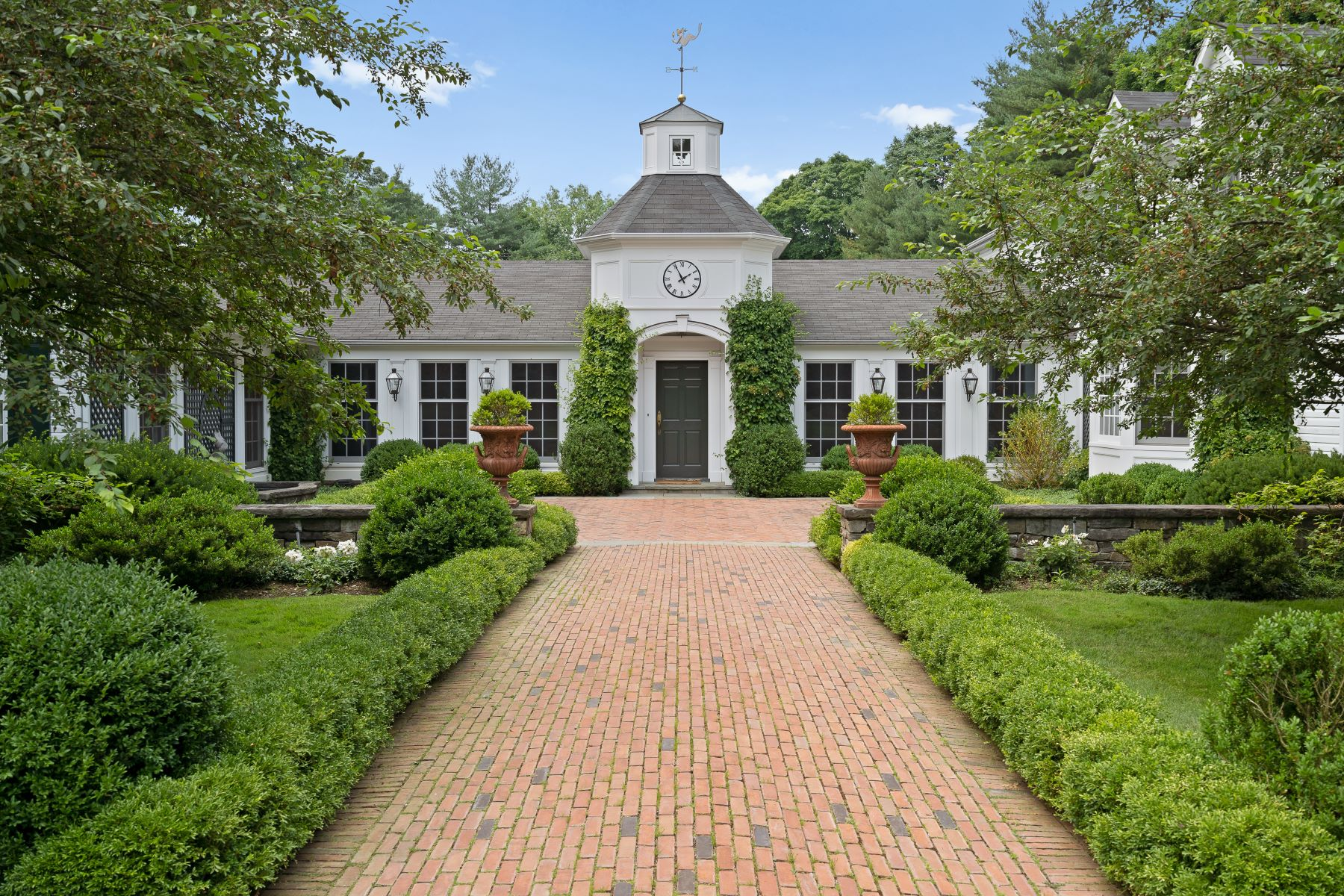 Single Family Homes 為 出售 在 939 Ripley Lane, Upper Brookville, Ny, 11771 Upper Brookville, 纽约 11771 美國